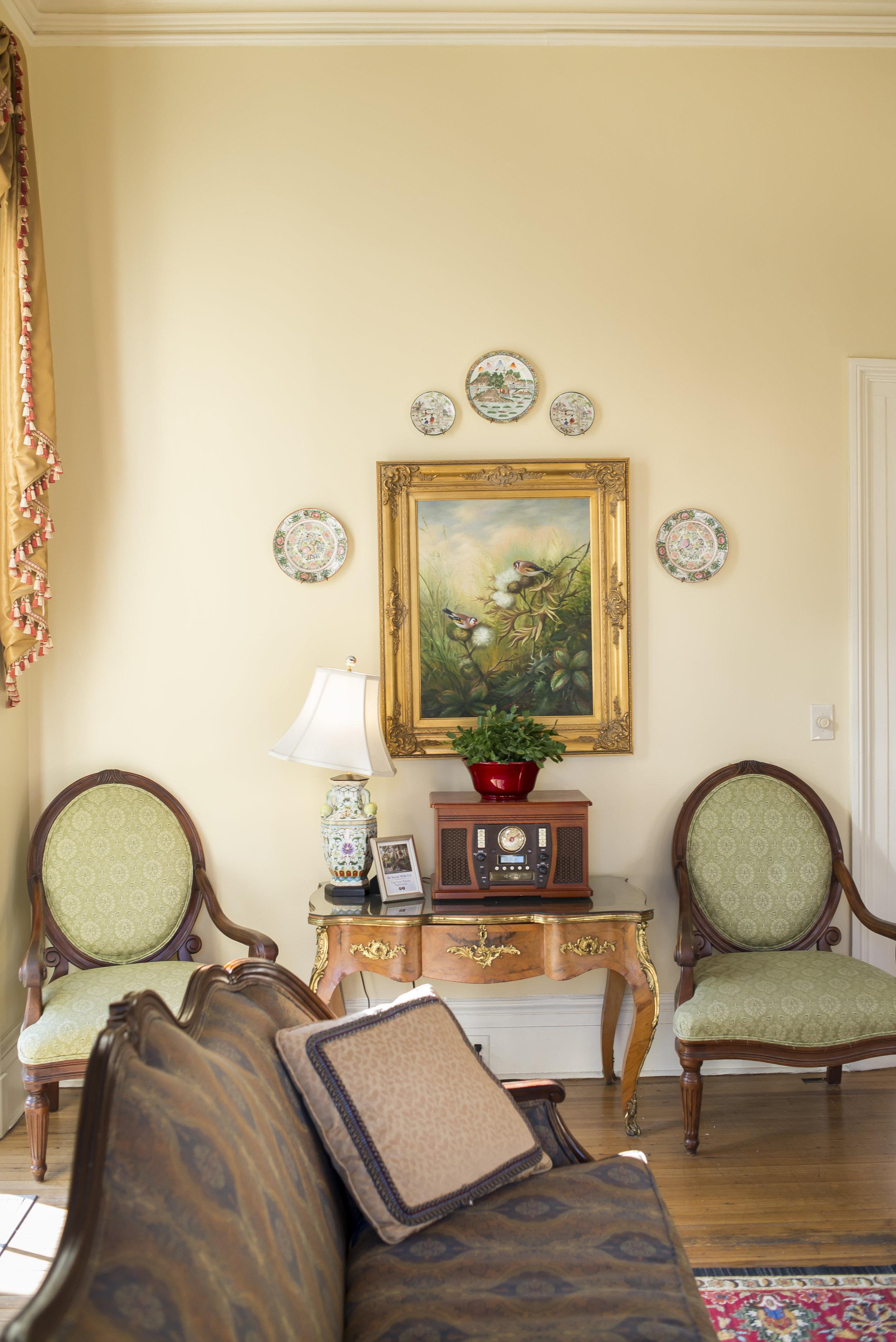 Savannah parlor and portrait setting