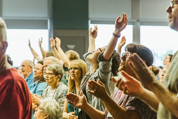 DW-13 Kate Dieselberg worshipping.jpg