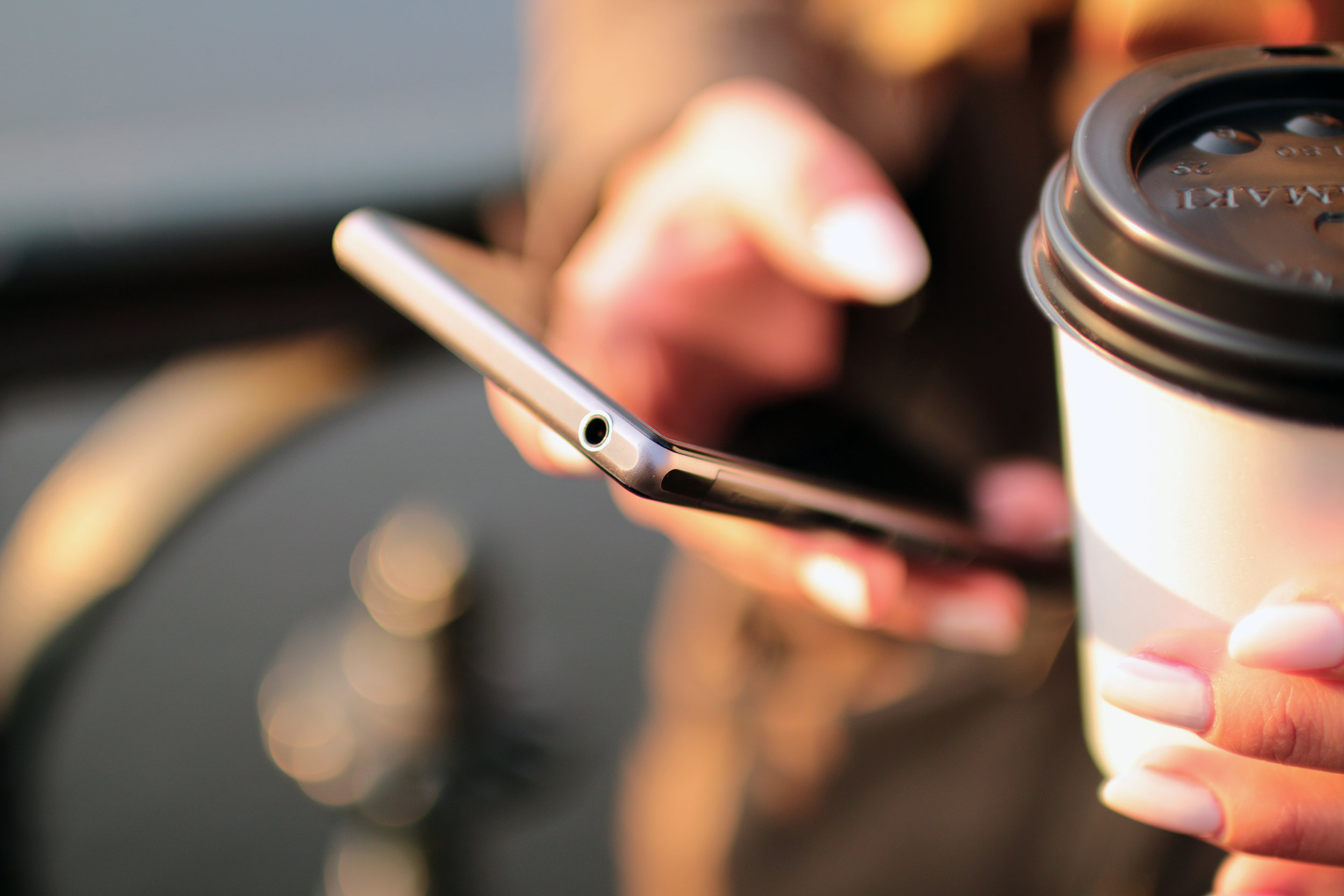 www.mgmstraining.ie/hands-coffee-smartphone-technology