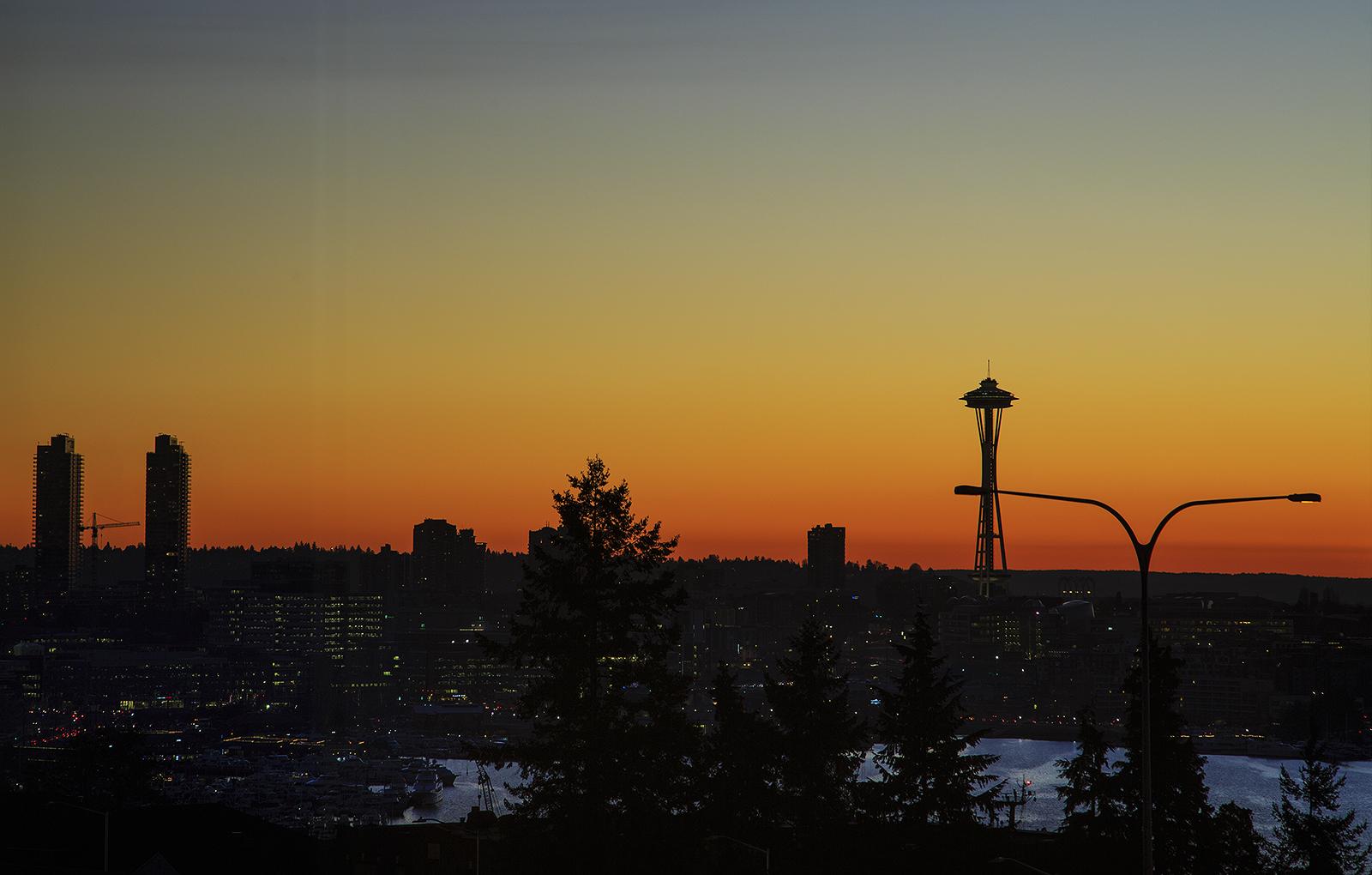Sunset-Needel-med.jpg