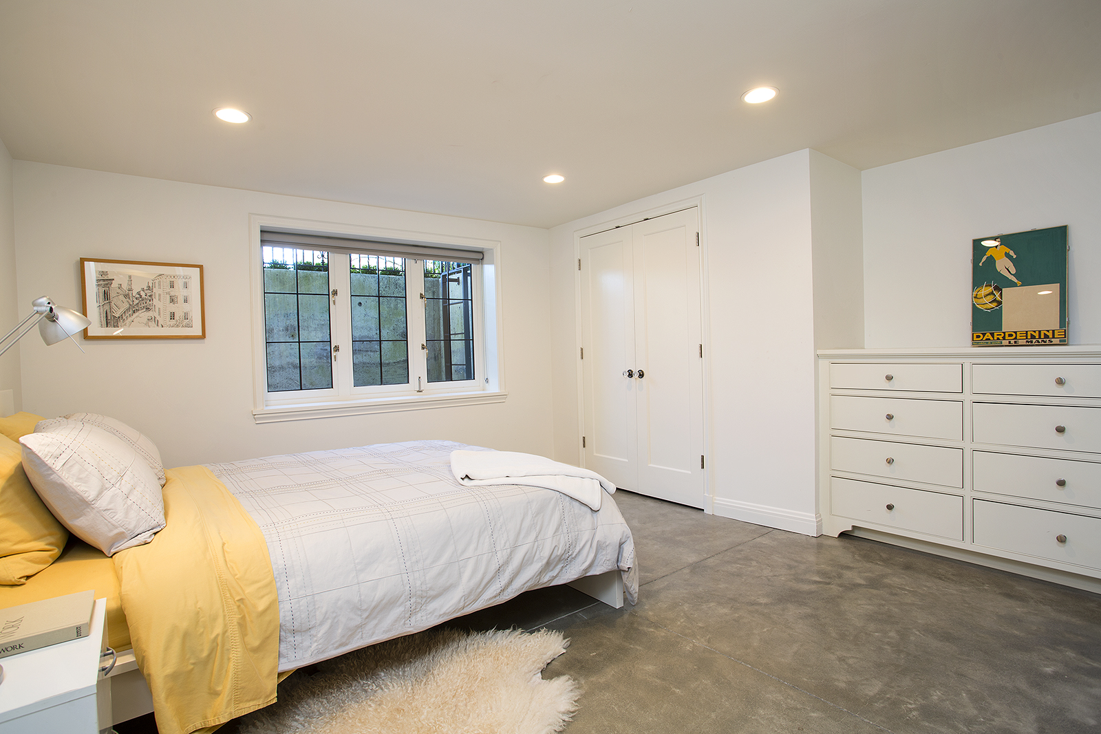 Lower-bed-med.jpg