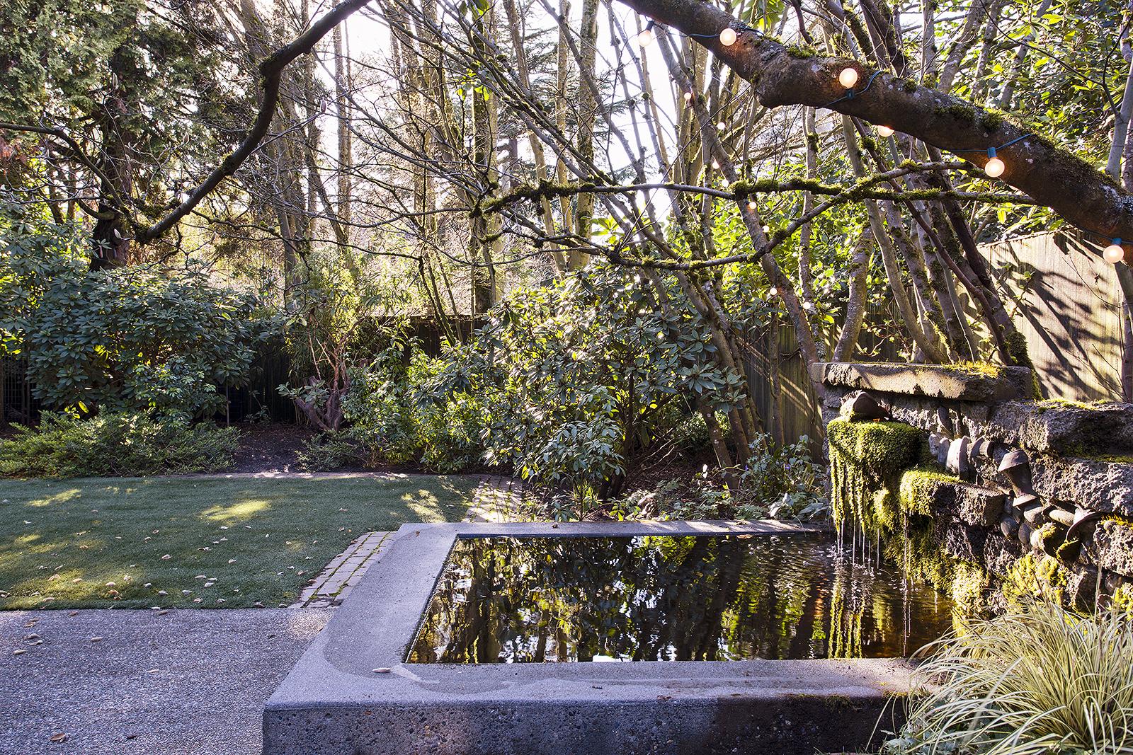 Fountain-med.jpg