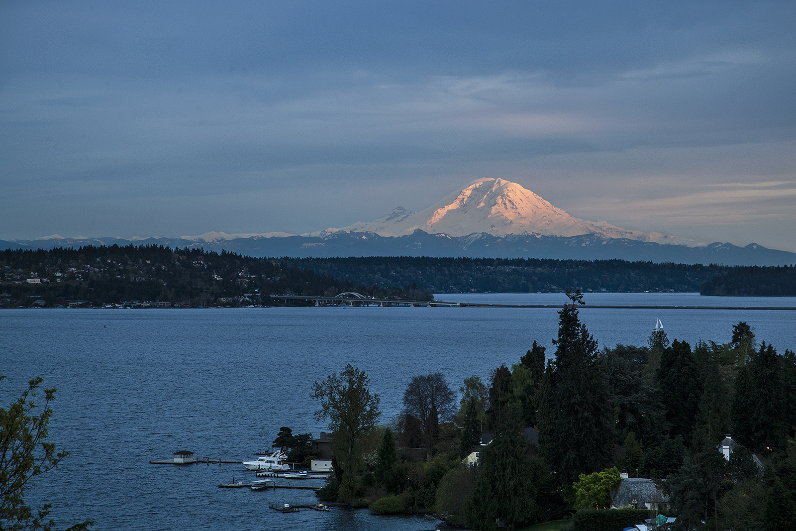 Rainier-Sunset-med.jpg