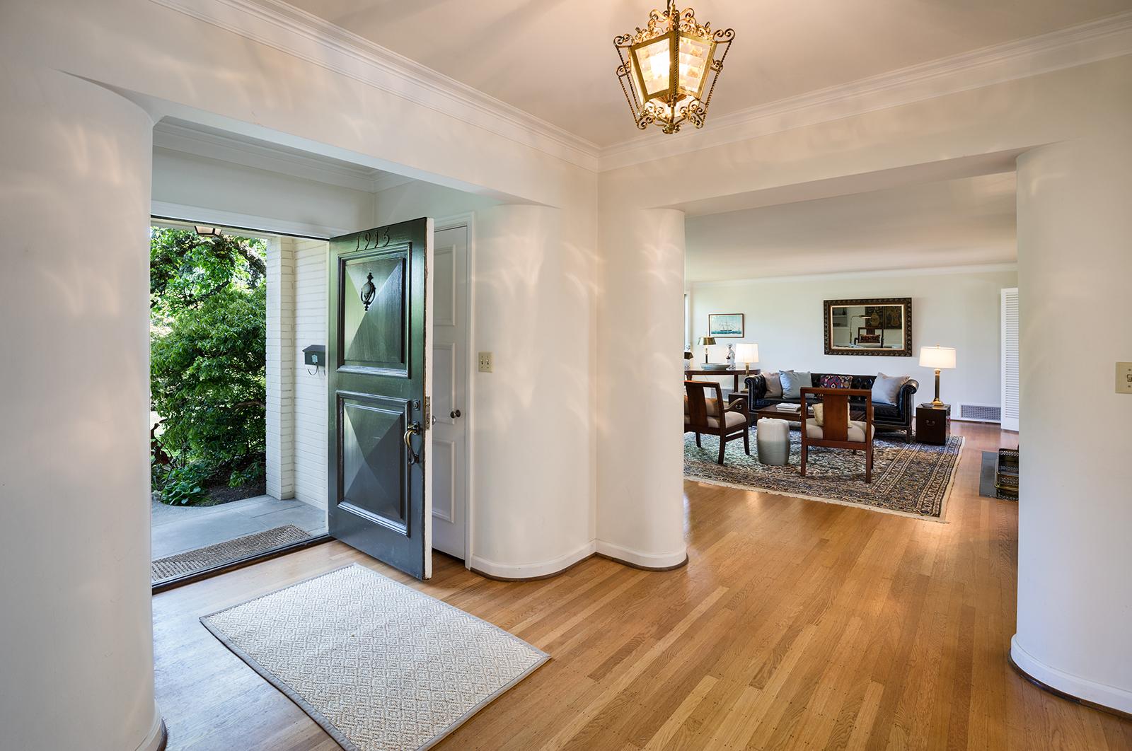 Foyer-1-med.jpg