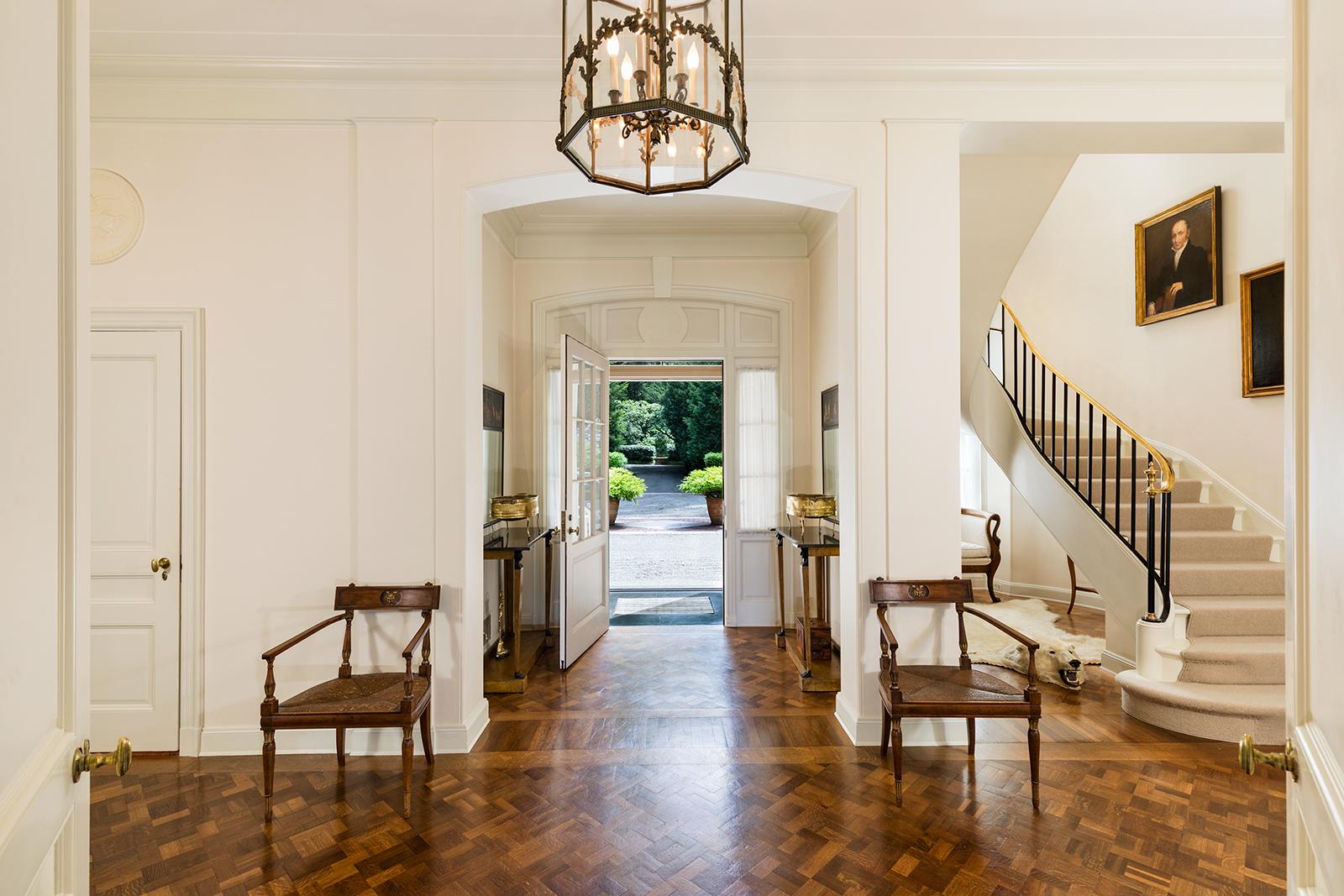 Foyer-3-med.jpg