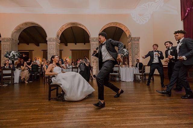 We supply the music you supply the moves.... . . .  Venue @ebellevents Band @otbma Photographer Bride @ashleyleyt Groom @philipsmithey Dress Boutique @panachebeverlyhills  Dress @martinalianabridal . . . #danceband #sirduke #surpriseperformance #AV #Sound #Lighting  #emcee #MC #talentedgroom #groomsmen #band #otbma #weddings #Weddingmusic #entertainment #unforgettable #lovesong #weddingideas #weddingphotography #sing #dance #danceparty #all night #LAWedding #sirduke
