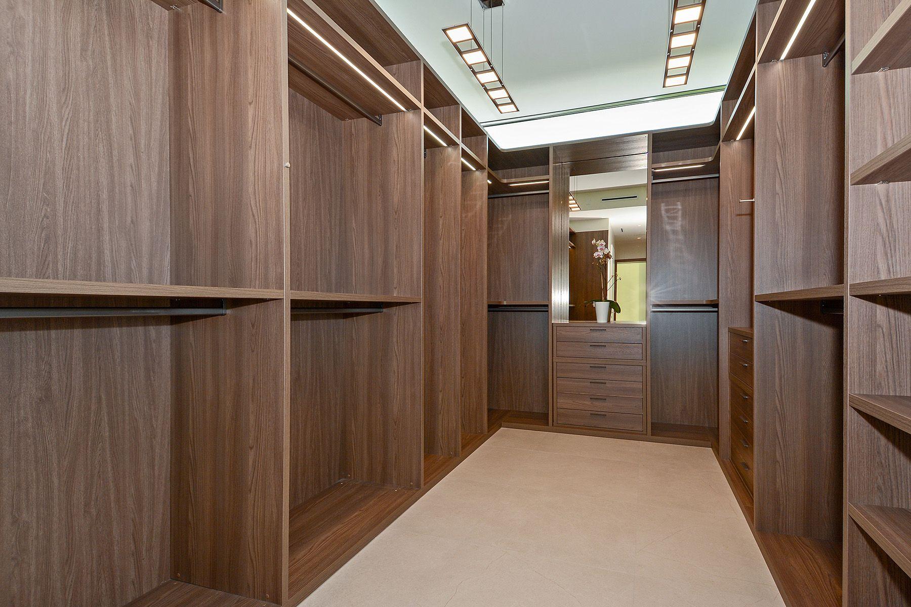 15_6480_Allison_Rd_Master_Bedroom_Closet_HR.0.jpg