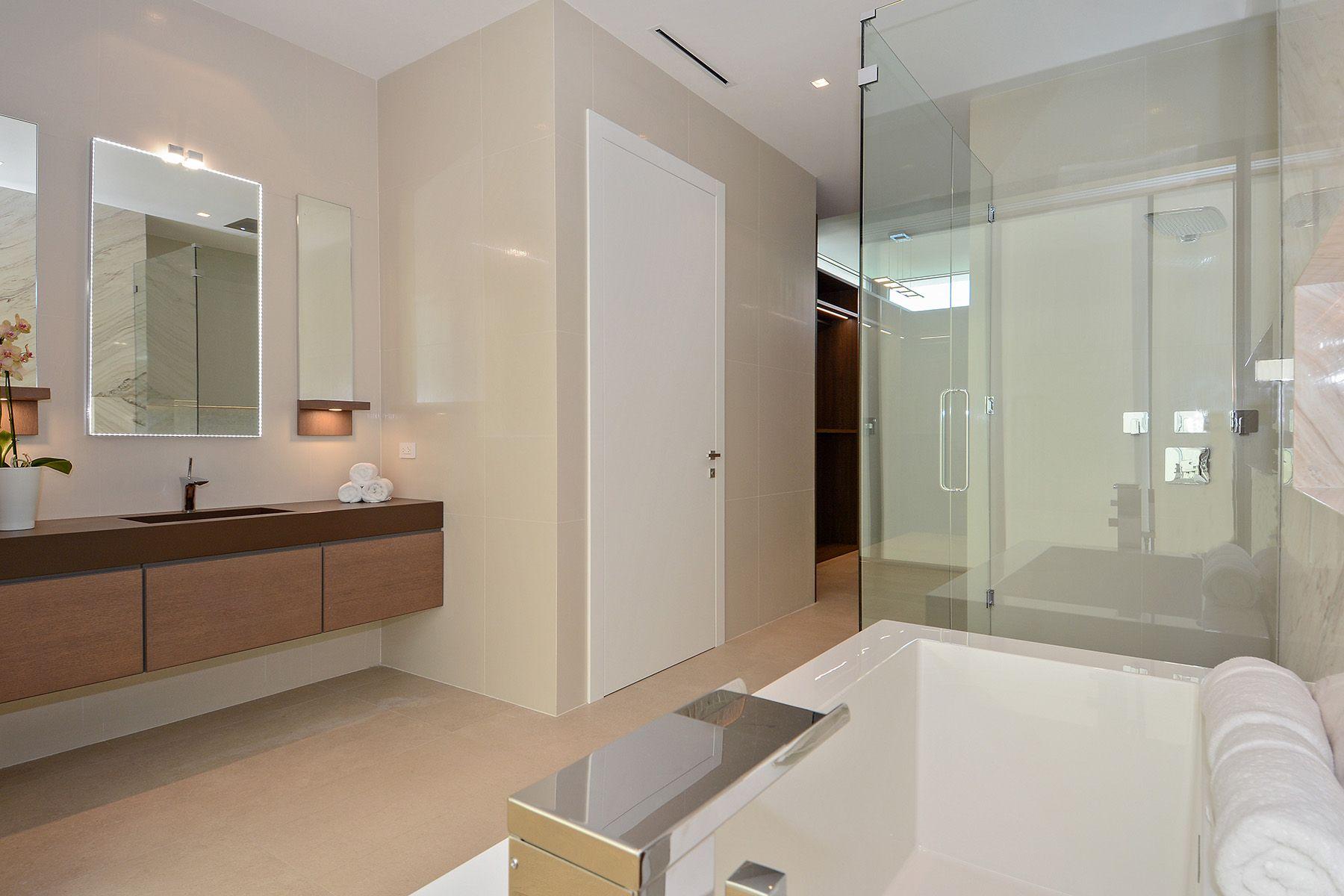 38_6480_Allison_Rd_Her_Bathroom_HR.0.jpg