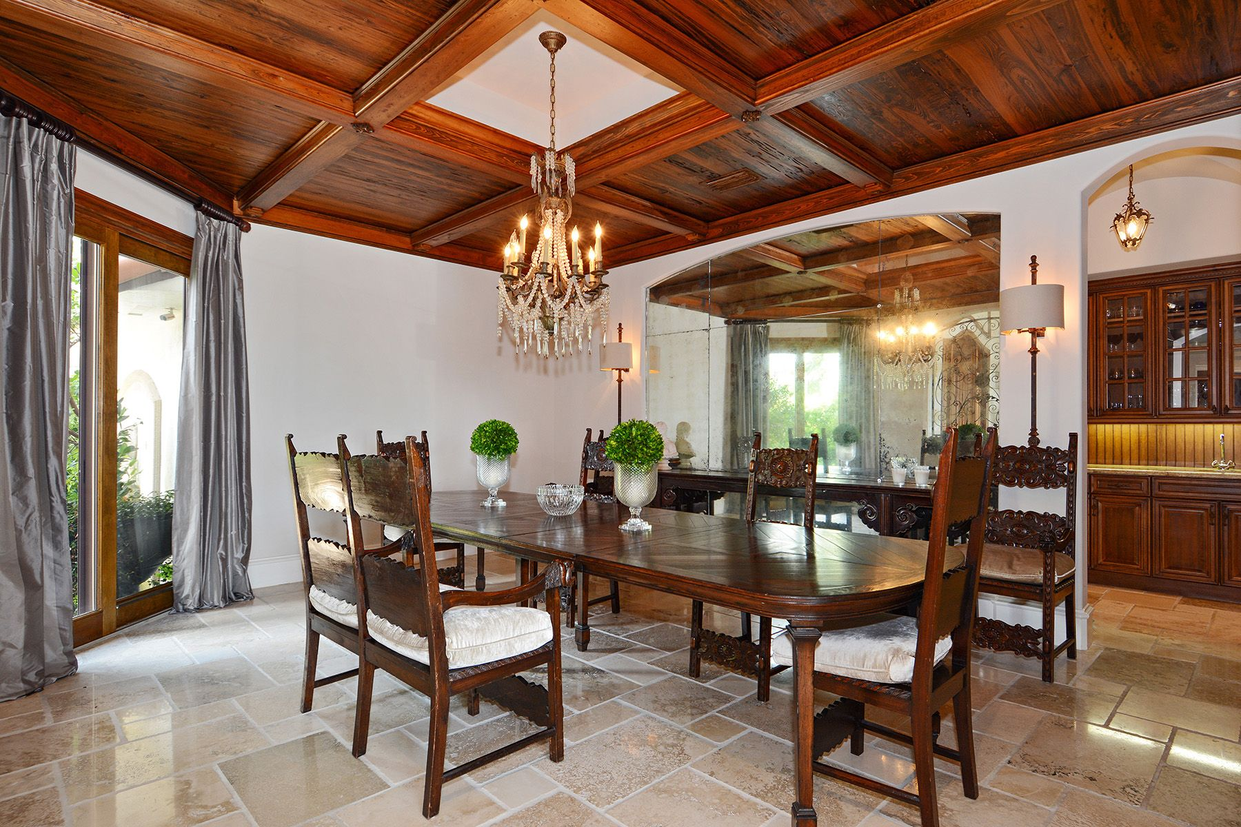 04_7321_Belle_Meade_Island_Dining_Room_HR.jpg
