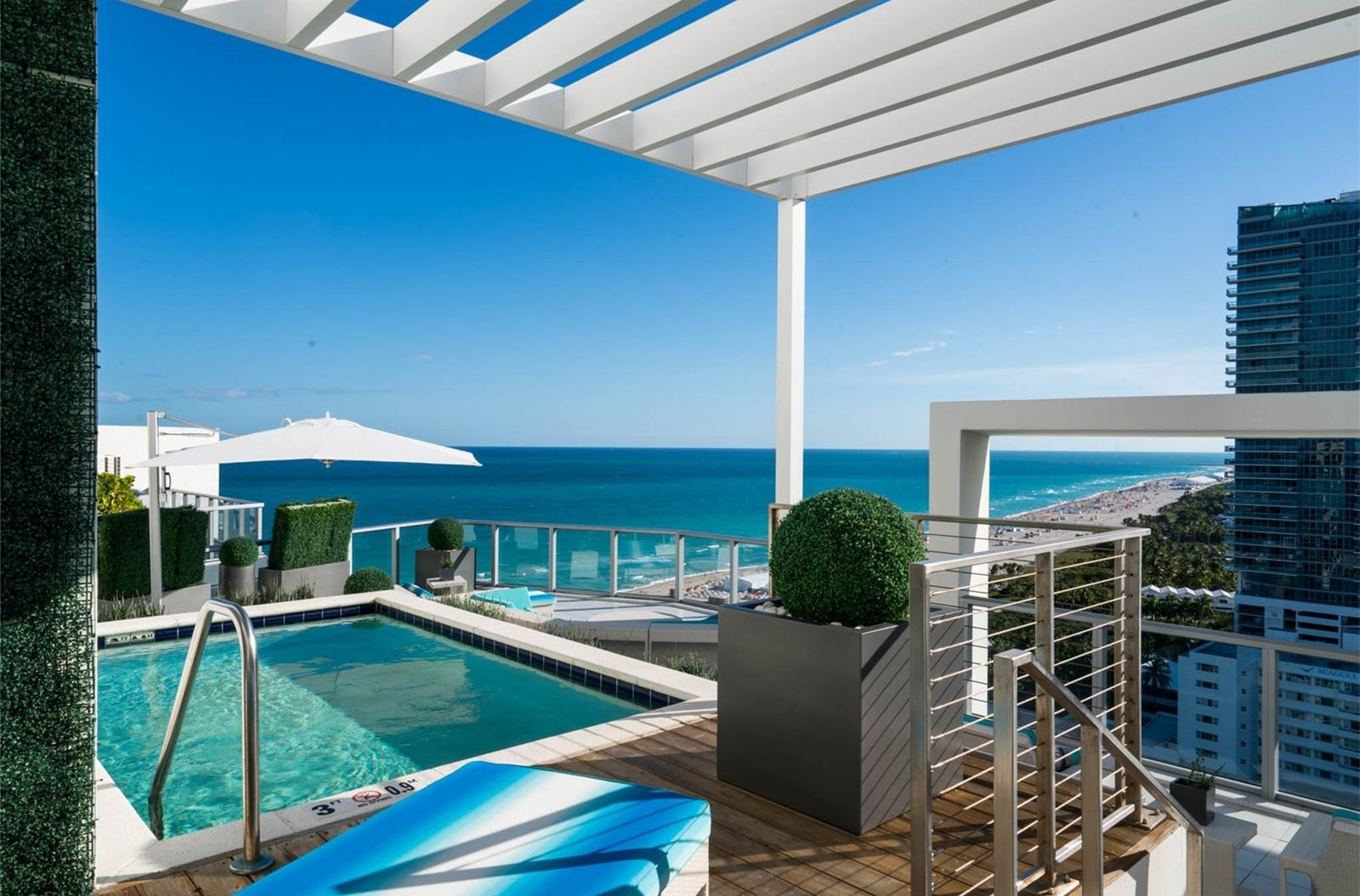 W South Beach Penthouse Rooftop Pool Views