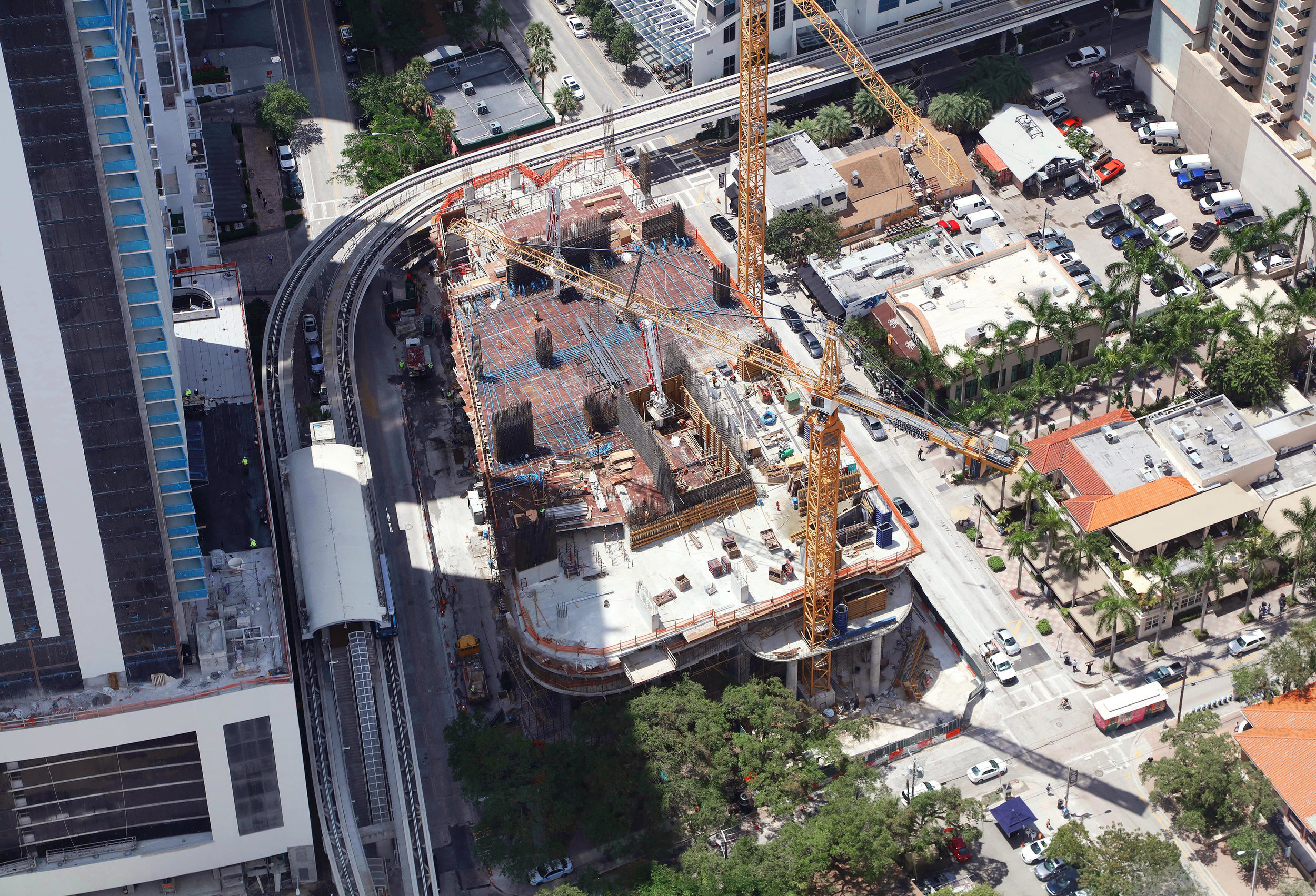 May 2, 2017 Construction Update: Brickell Flatiron Passes 6th Level, On Track for Top-Off in Late 2018 May 2, 2017