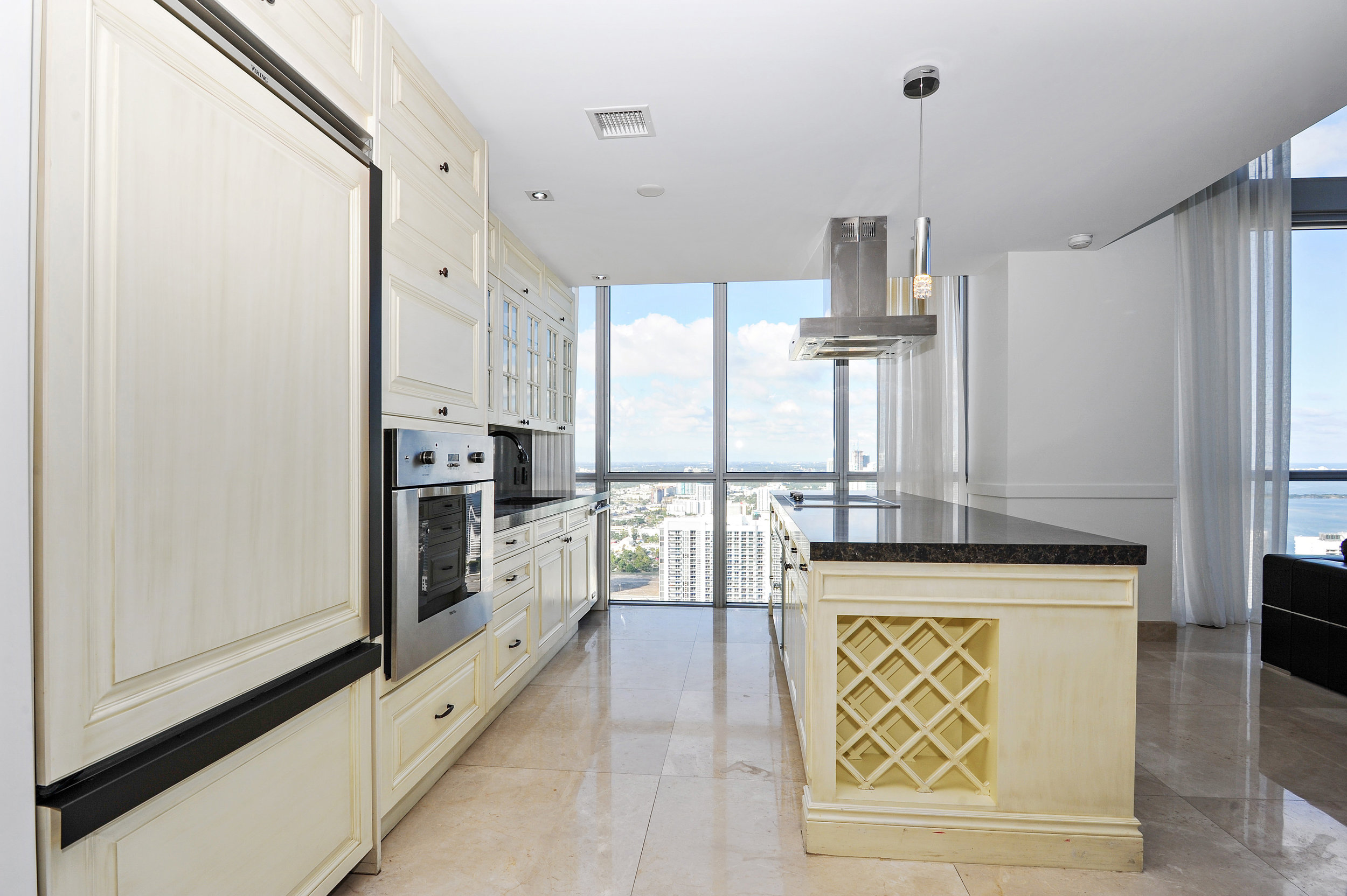 "CLOSED: Drake's Former ""Condo Up On Biscayne"" Sold By Current Owner NBA Superstar Mario Chalmers For $2.3 Million"