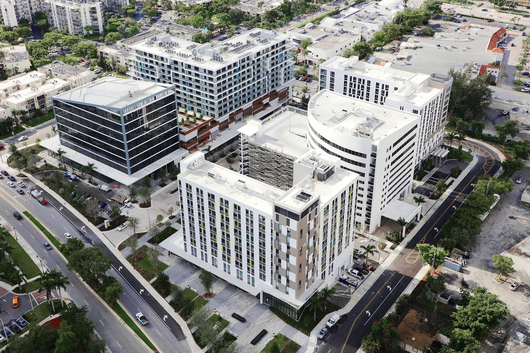 The 1.2 Million SF Zyscovich Architects-Designed Aventura ParkSquare Receives TCO
