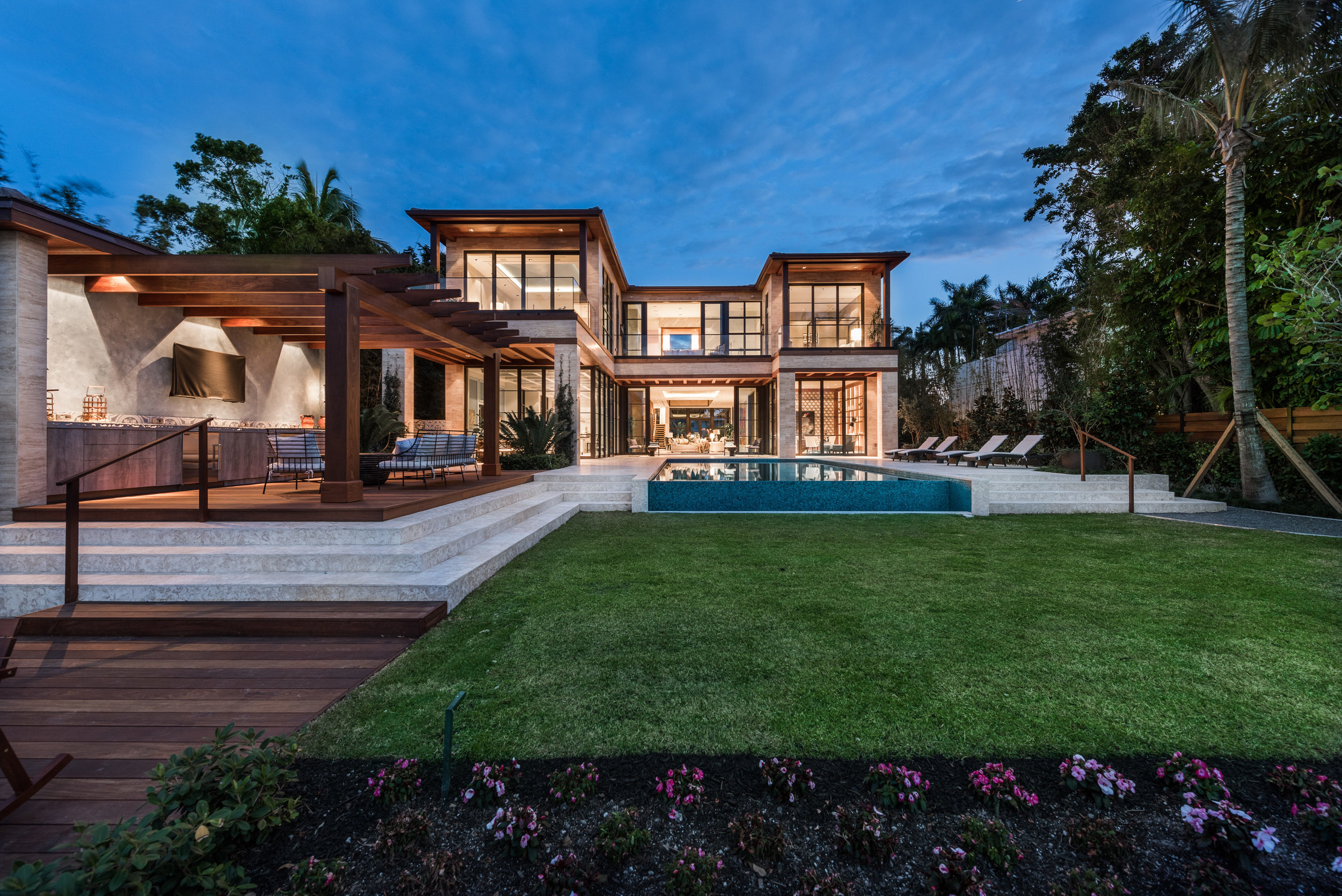 6010 N Bay Rd Miami Beach FL Explore This North Bay Estate Developed by Peter Fine Which Just Sold For $17 Million