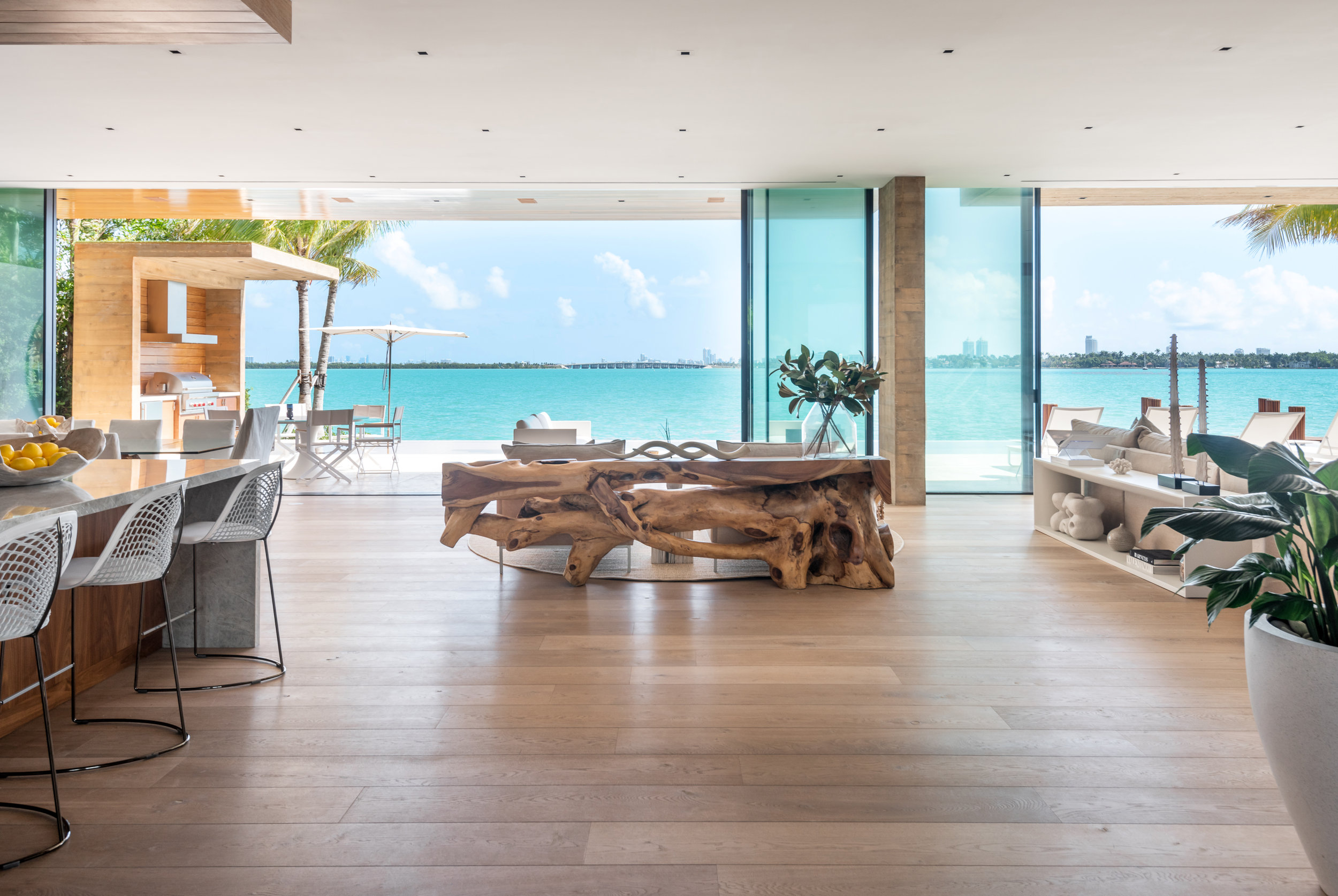 Check Out This Choeff Levy Fischman-Designed Tropical Waterfront Mansion Featuring Post-Tension Structural Design