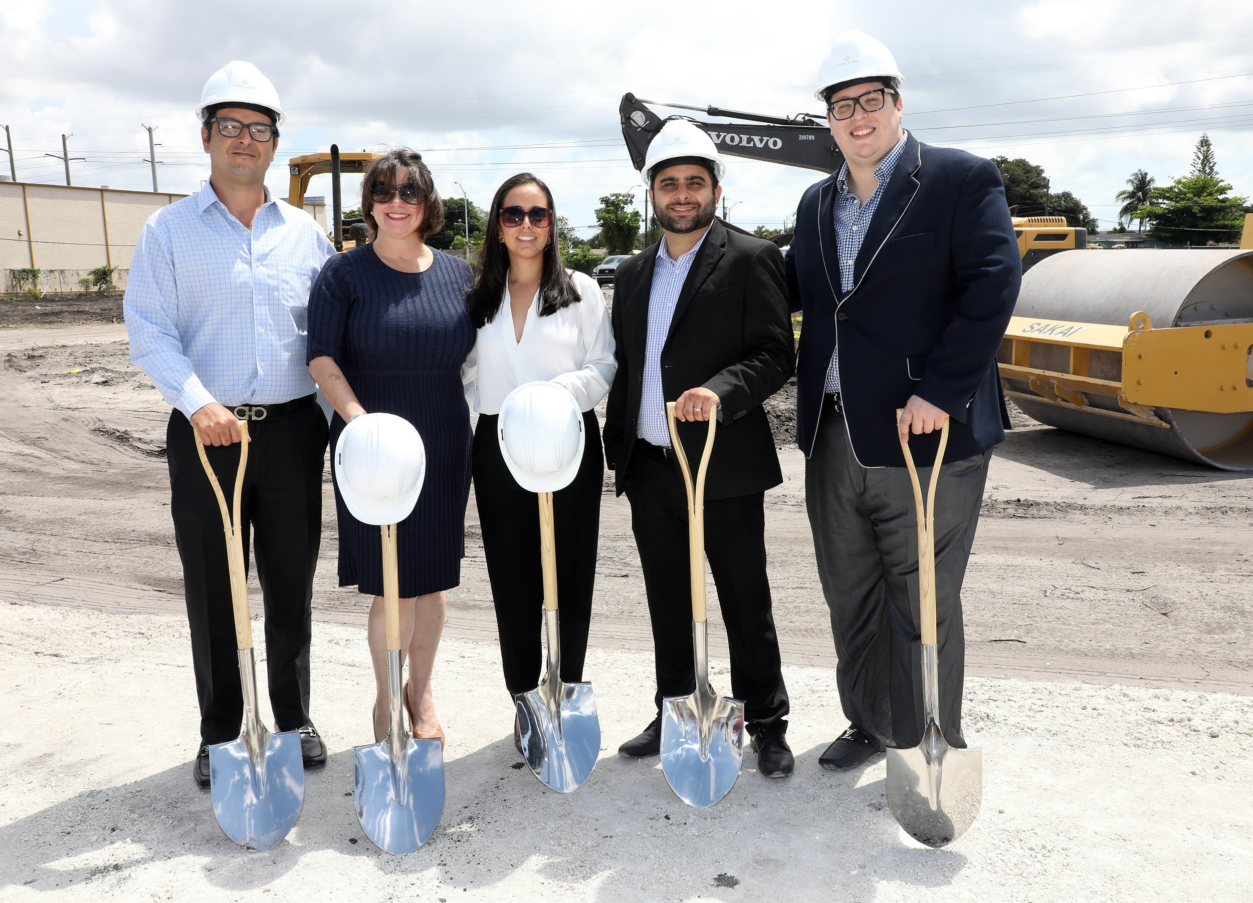 From L-R: Oscar Rodriguez, Arena Capital Holdings; Hialeah City Council President Vivian Casals-Munoz; Ana Rodriguez, Arena Capital Holdings; City of Hialeah Councilman Paul Hernandez; Sebastian Roiter, Arena Capital Holdings
