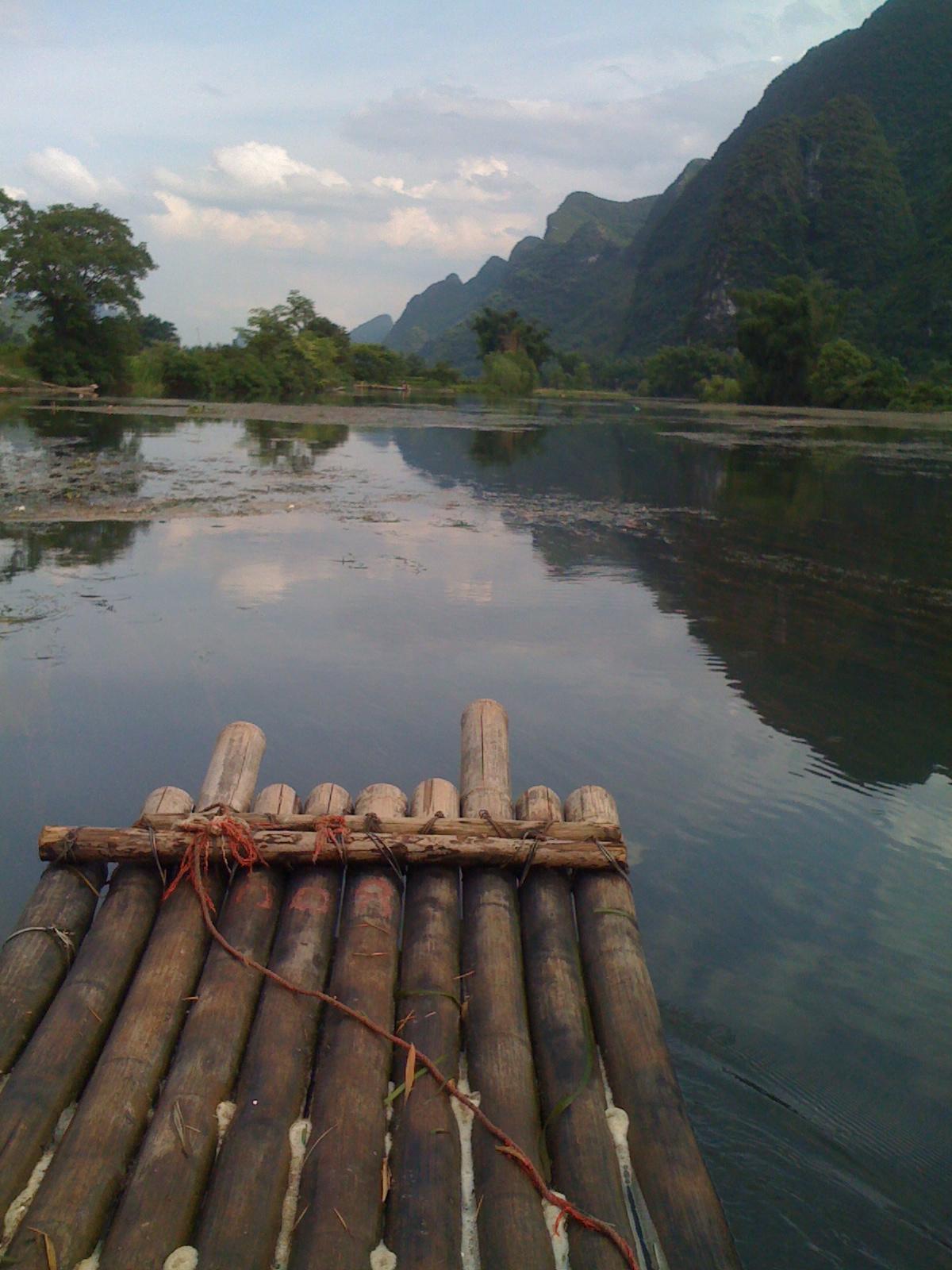 The grand Yangshou karsks & river runs thru it!