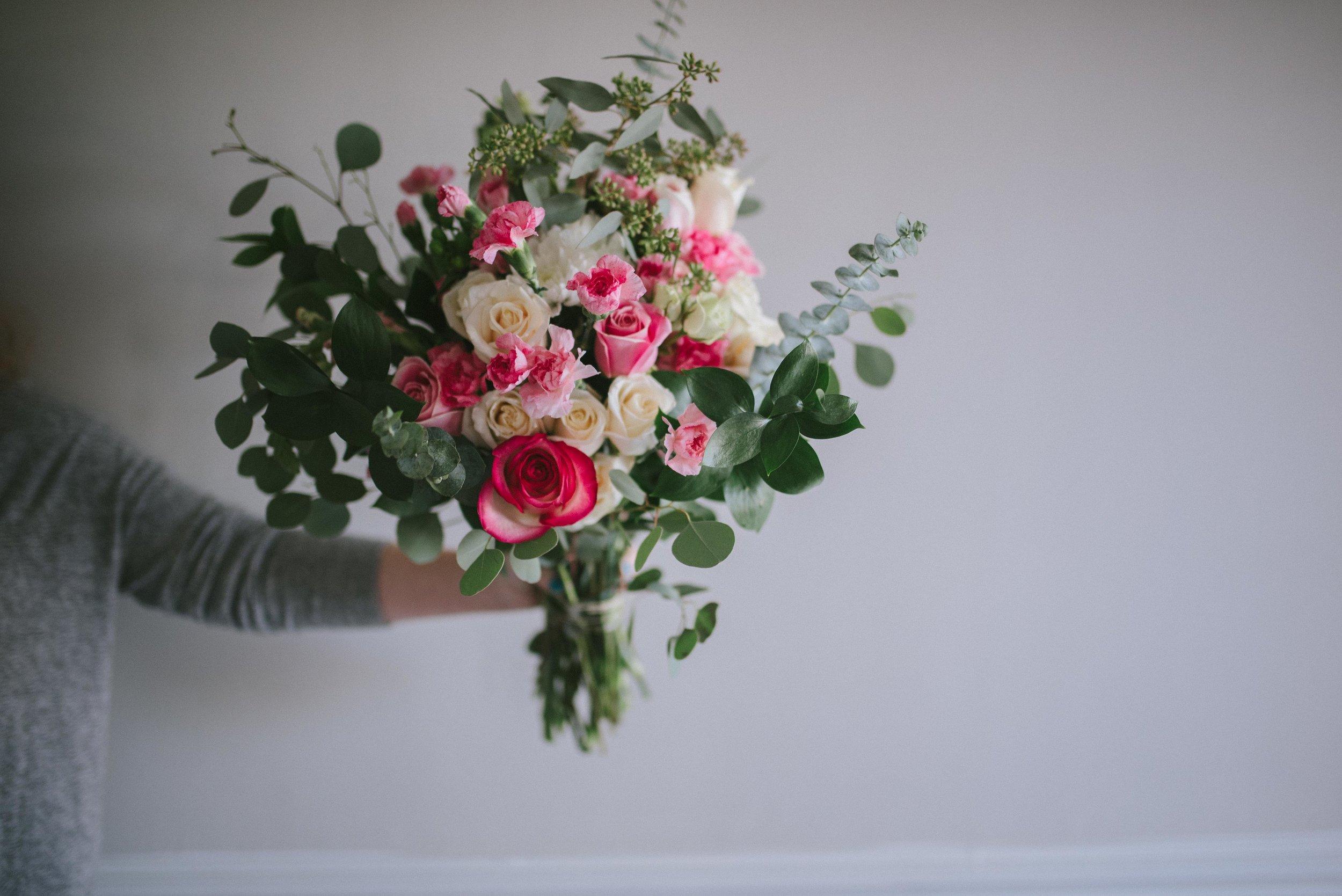 Building a Bouquet on a Budget - Bouquet DIY