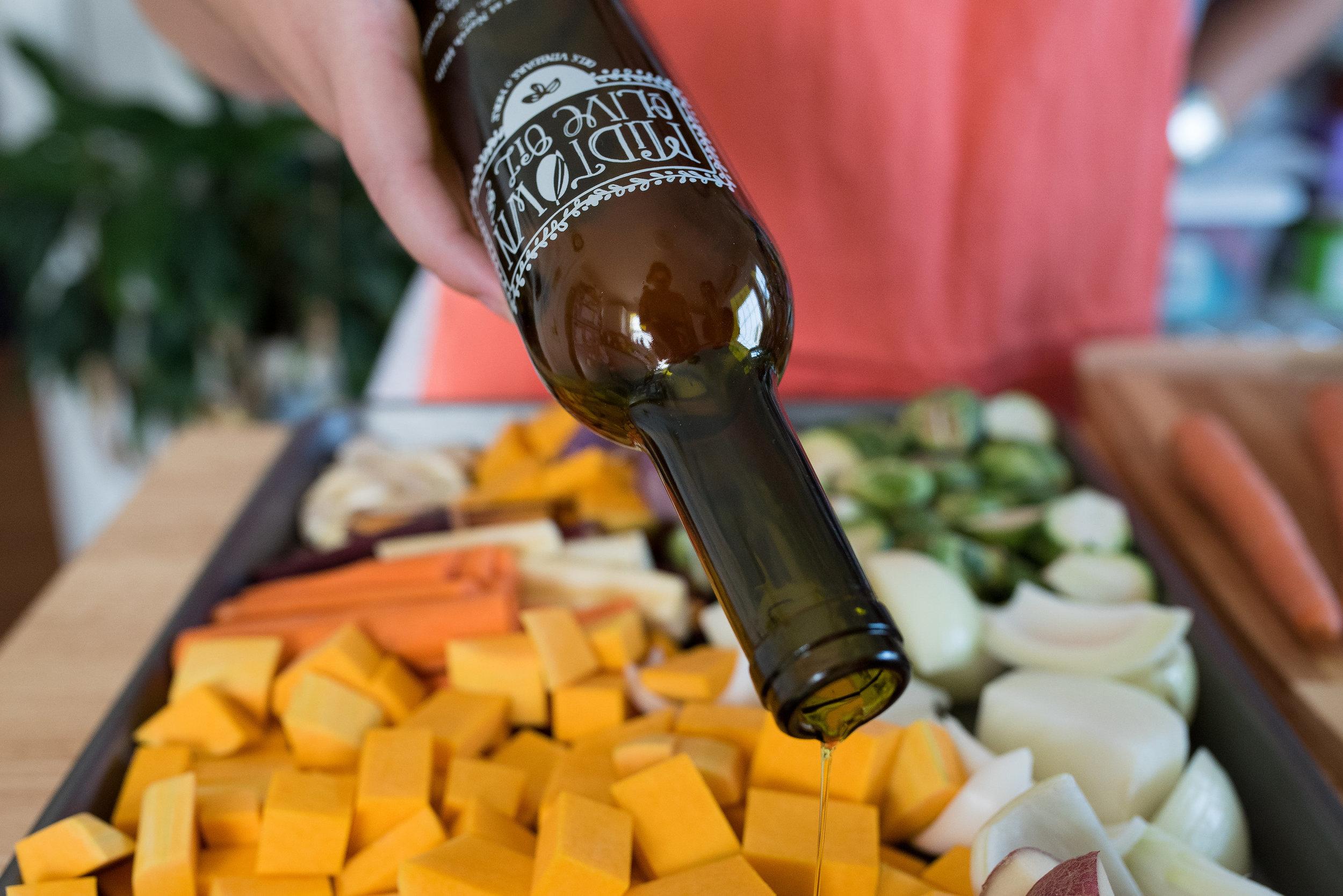 Friendsgiving - Thanksgiving - Lifestyle Blog - Midtown Olive Oil