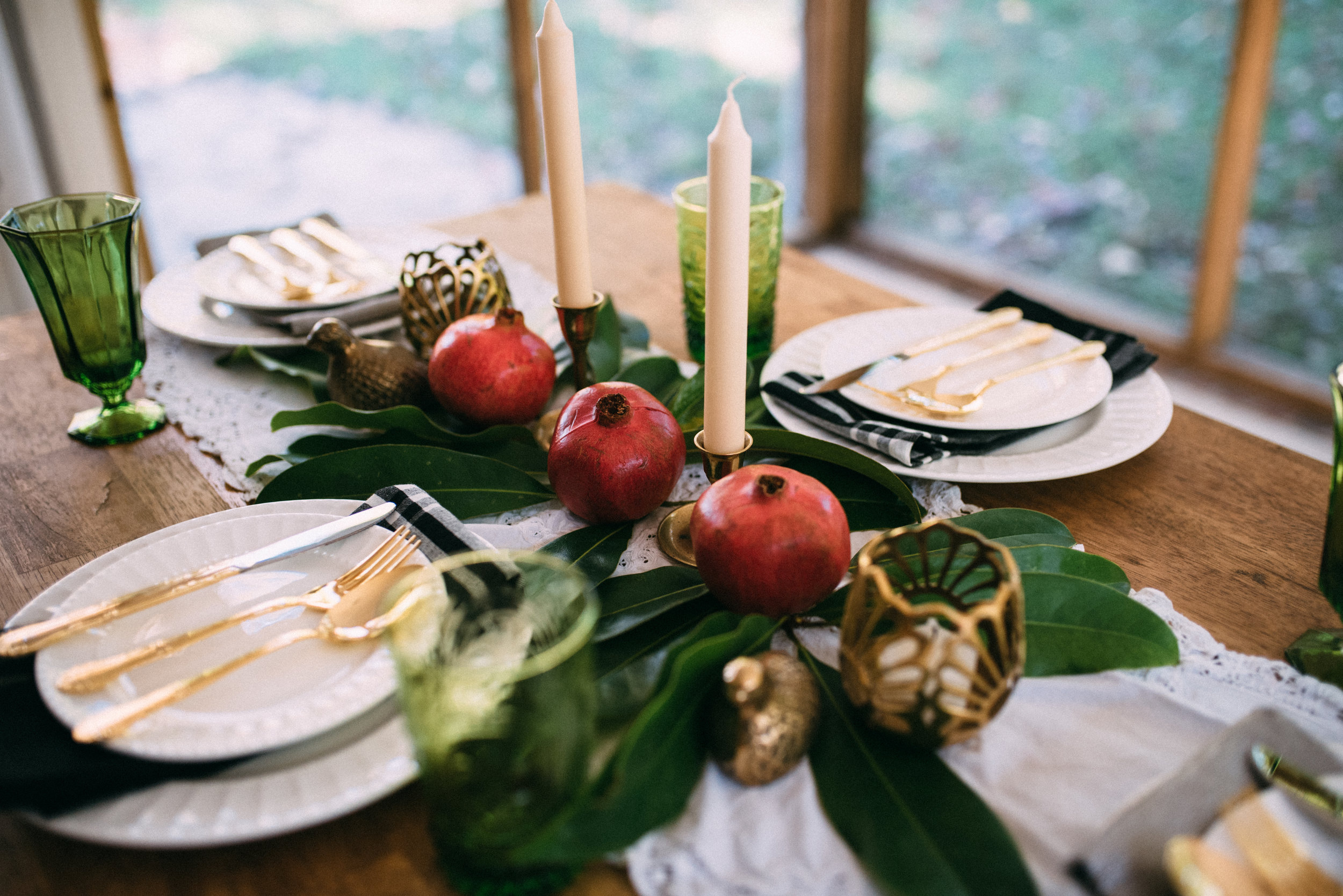 Setting the Christmas Table: Holiday tablescapes : Christmas Decor : Lifestyle Blog
