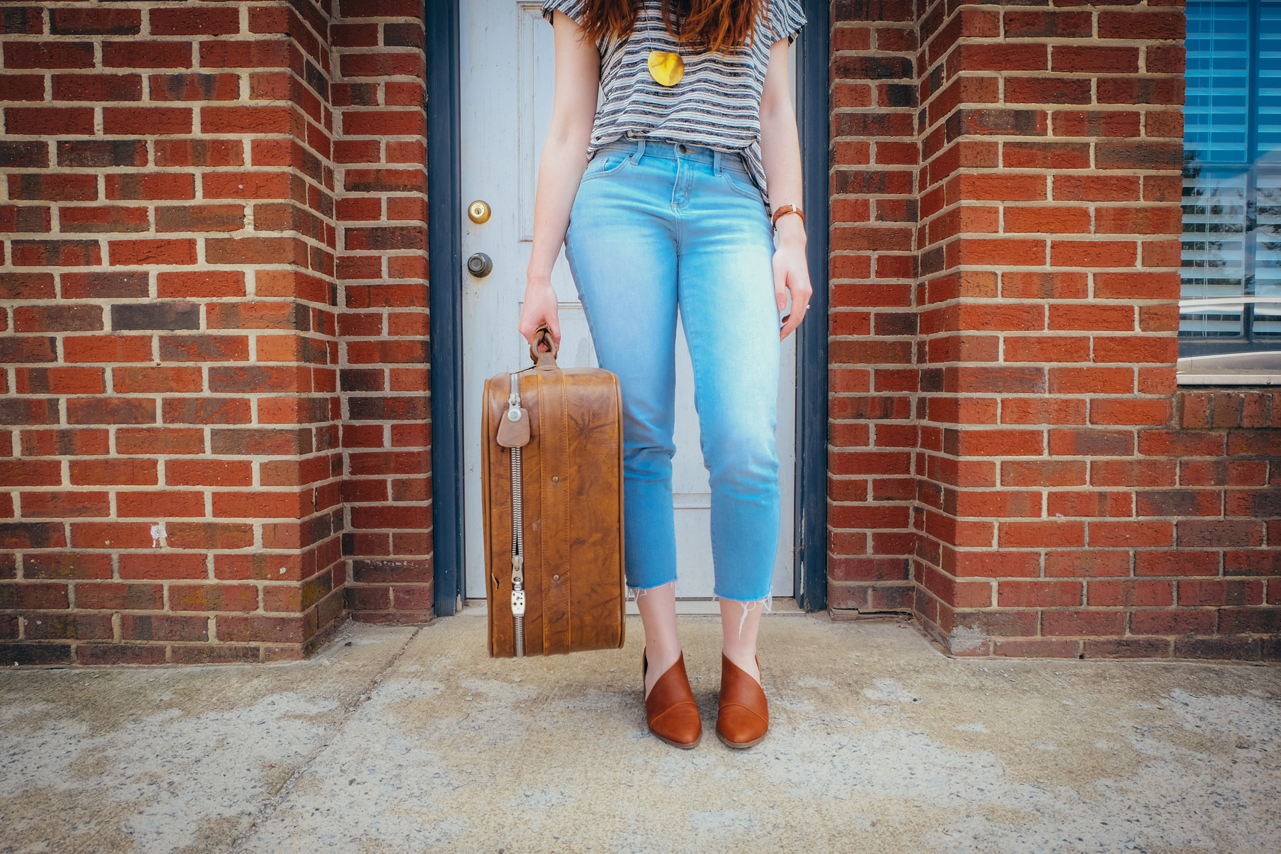 how to stay healthy while traveling - travel tips - creative community