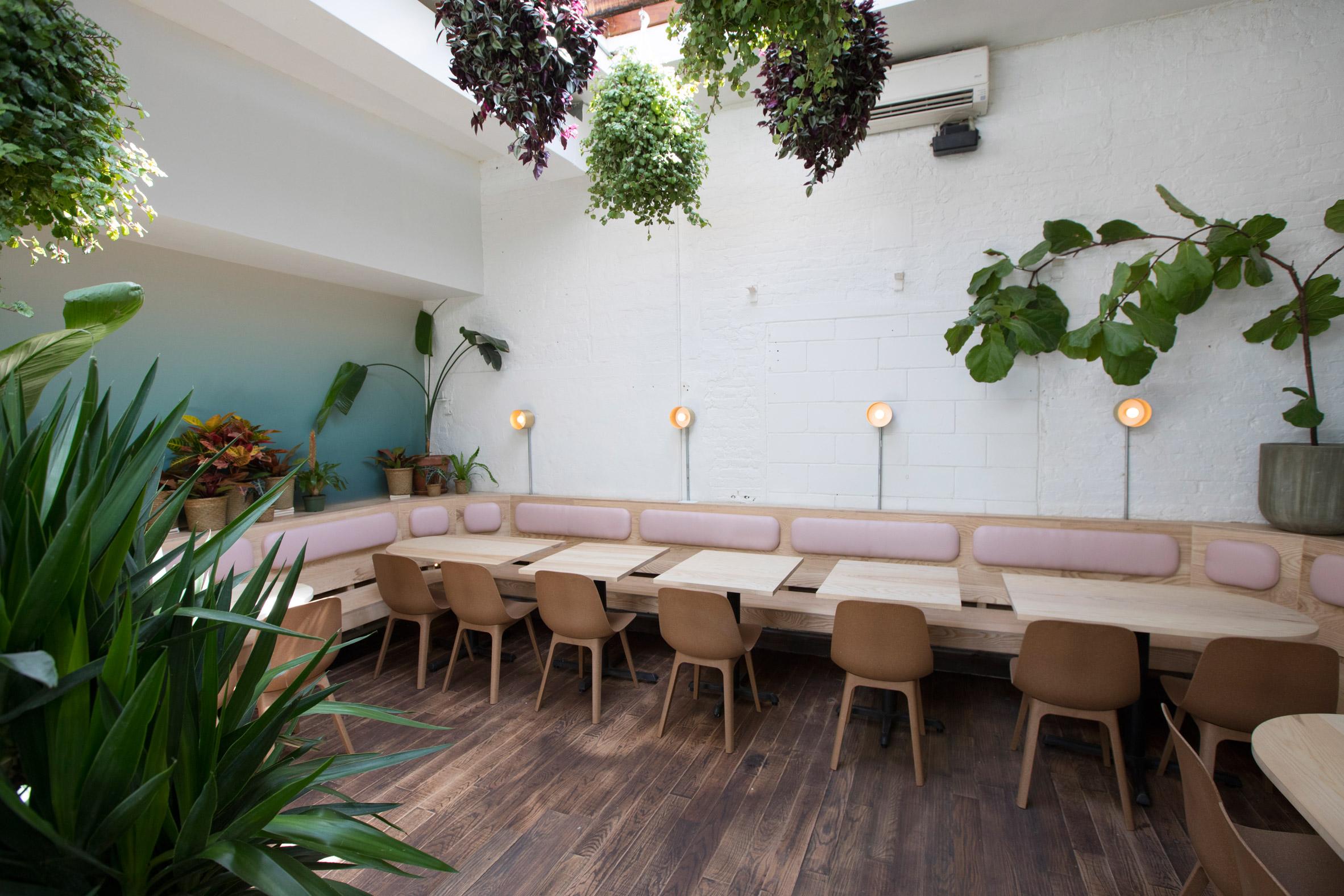 di-an-di-huy-bui-interiors-restaurant-brooklyn-new-york-usa_dezeen_2364_col_1.jpg