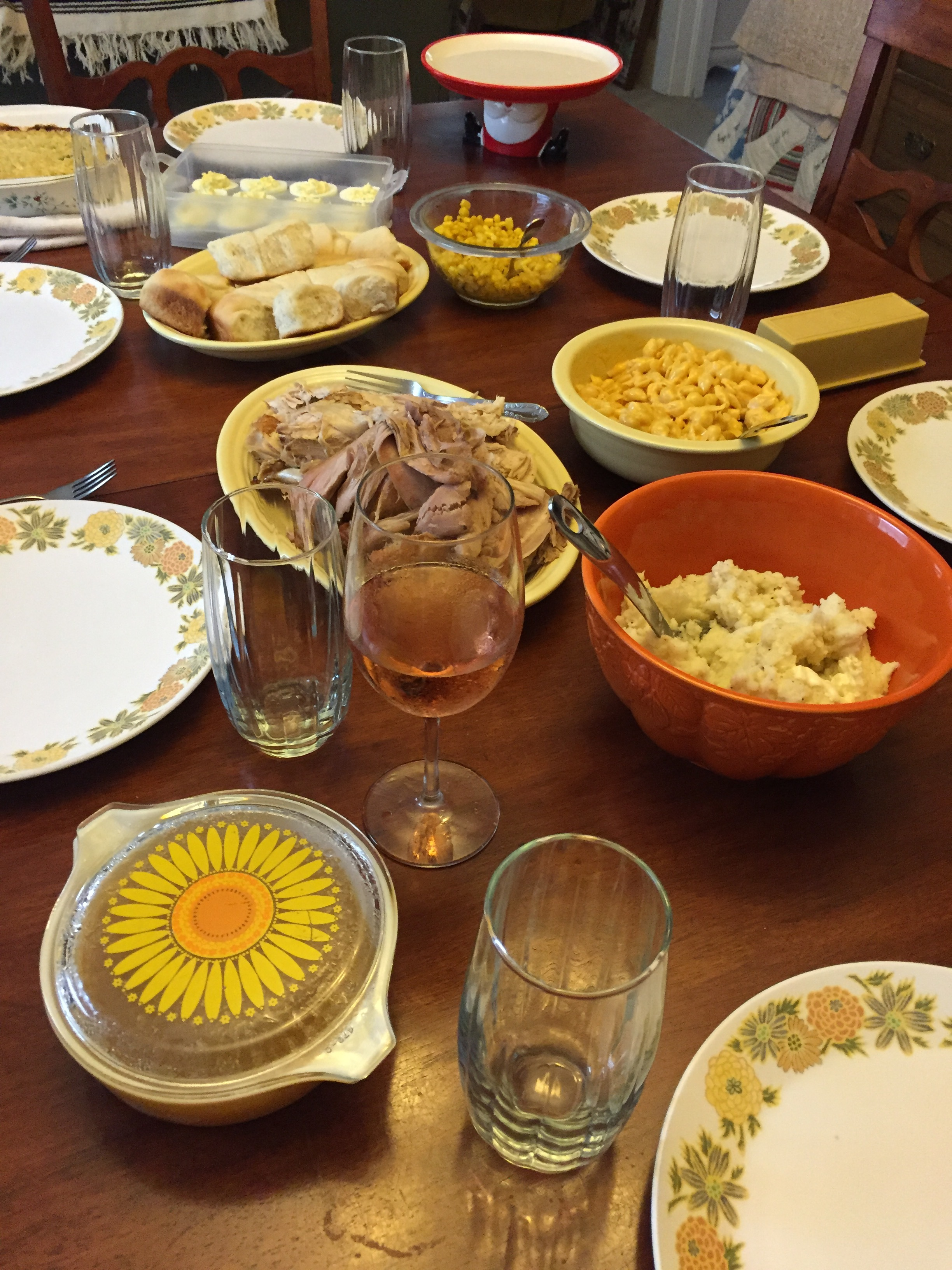 ThanksgivingTable.jpg