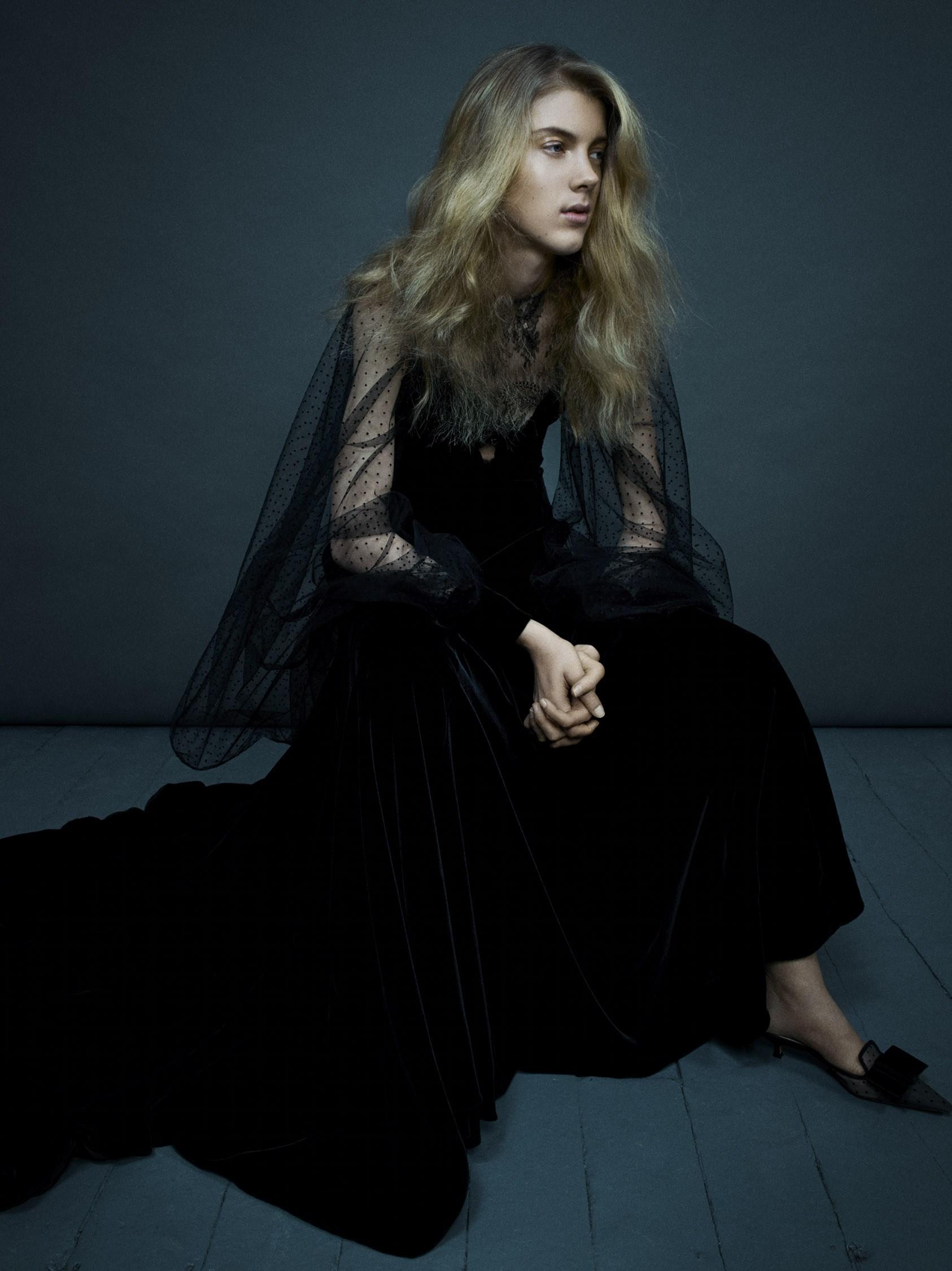 Vogue-Italia-March-2017-Dior-Ally-Ertel-by-Emma-Summerton-07.jpg