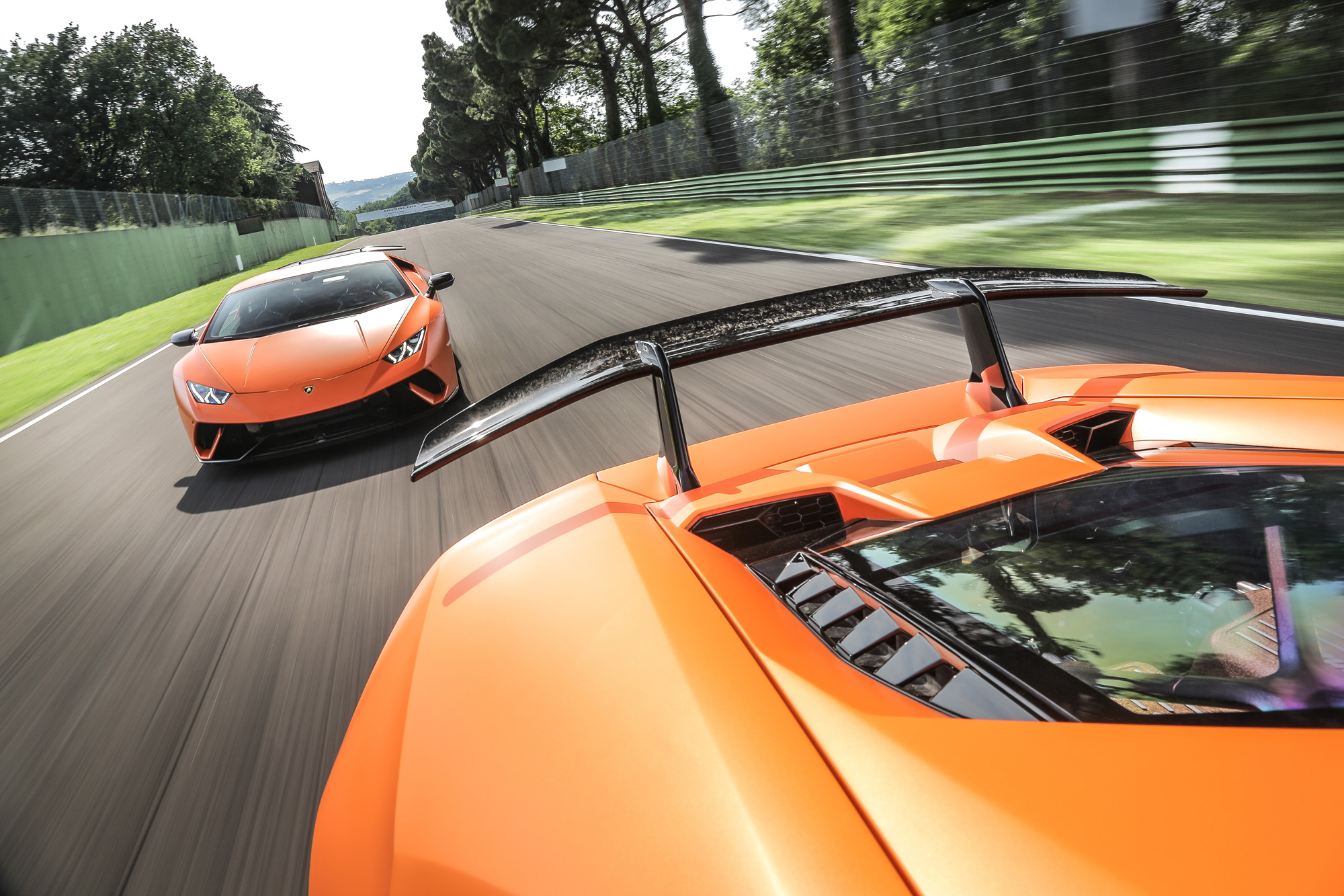 Huracan_Performante_orange_118.jpg