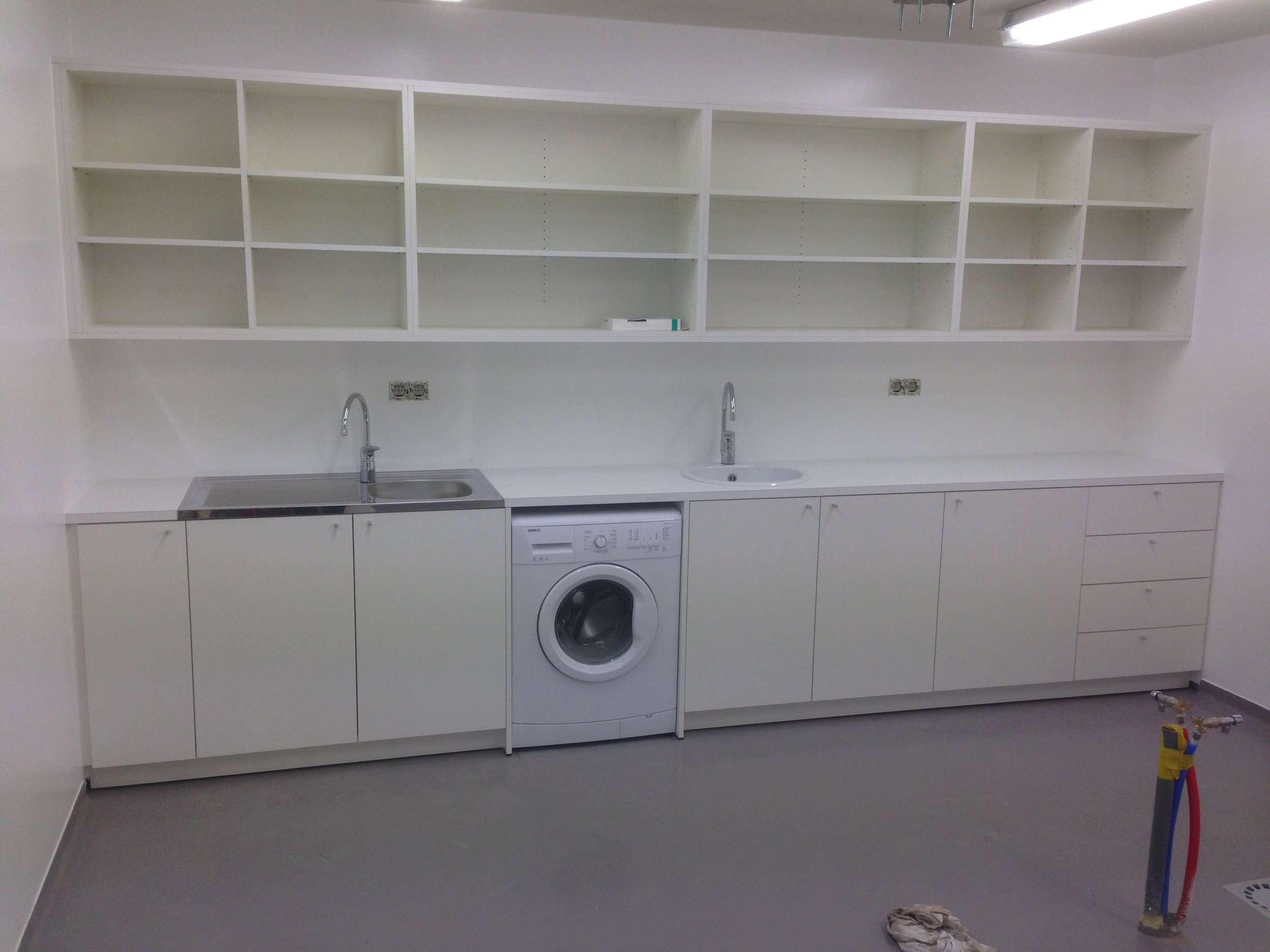 Opbergkast en meubel rond wasmachine.JPG