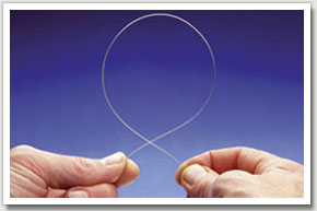 1. Hold the trace line between fingers and thumb and form a loop. The initial size isn't too important as the finished boom length can be adjusted later. Make it a reasonable size