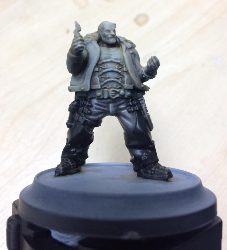 Step 6 - the next highlight is pure Menoth White Base and is applied carefully with the smallest brush. Aim your highlights to sit right next to the deepest shadow to accentuate contrast.
