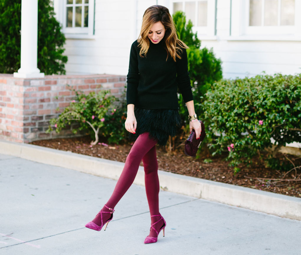 Sydne-style-shows-how-to-wear-wine-tights-by-Hue.jpg