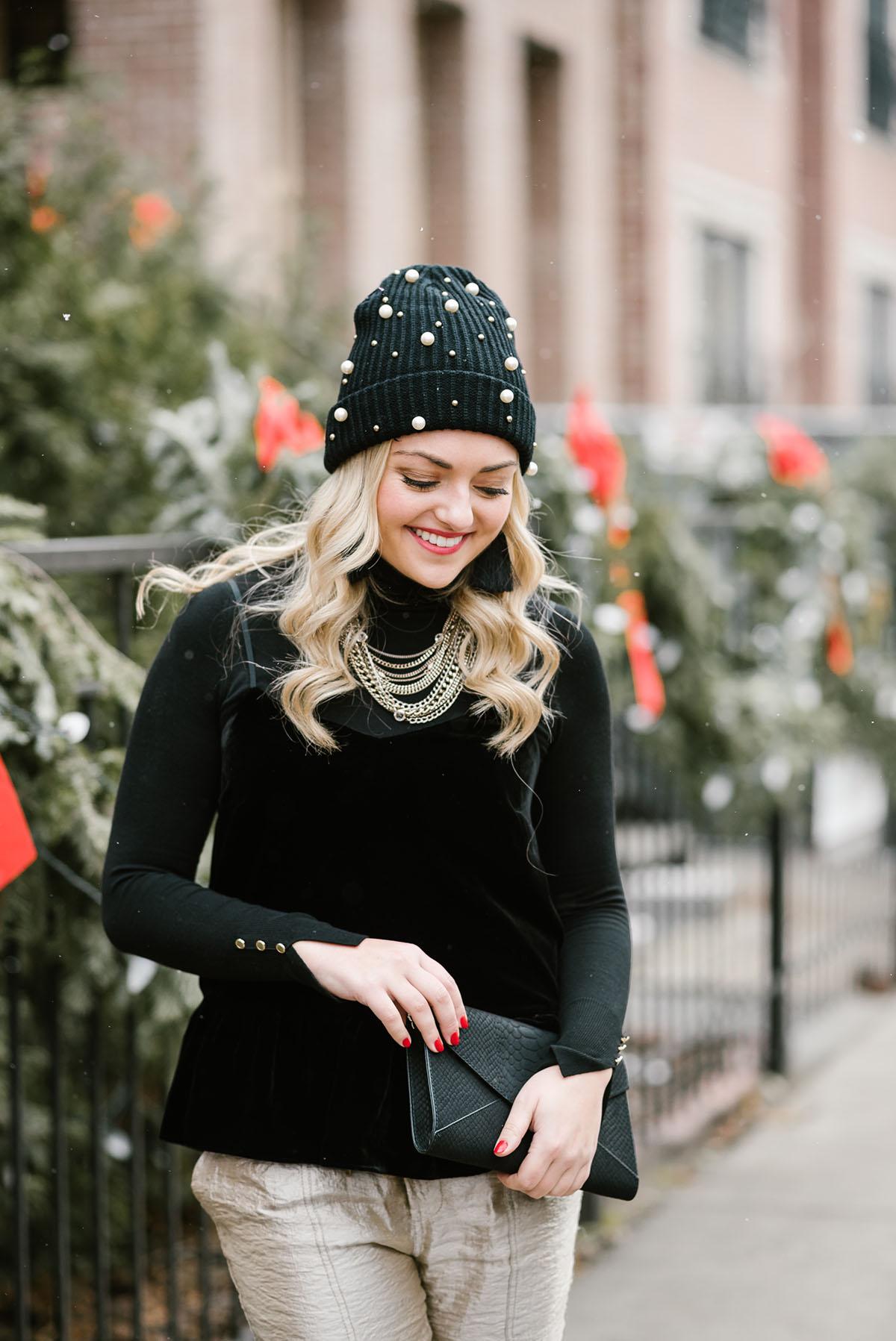 black-winter-hat-cute-outfit.jpg