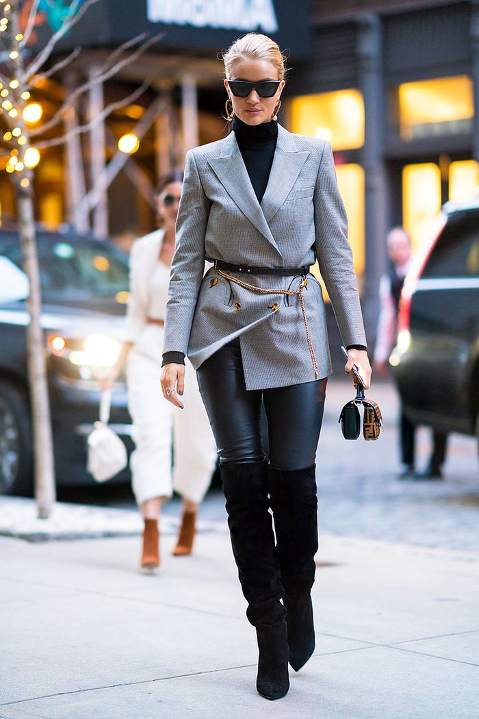 knee-high-boots-winter-outfits-272979-1542586360637-image.700x0c.jpg