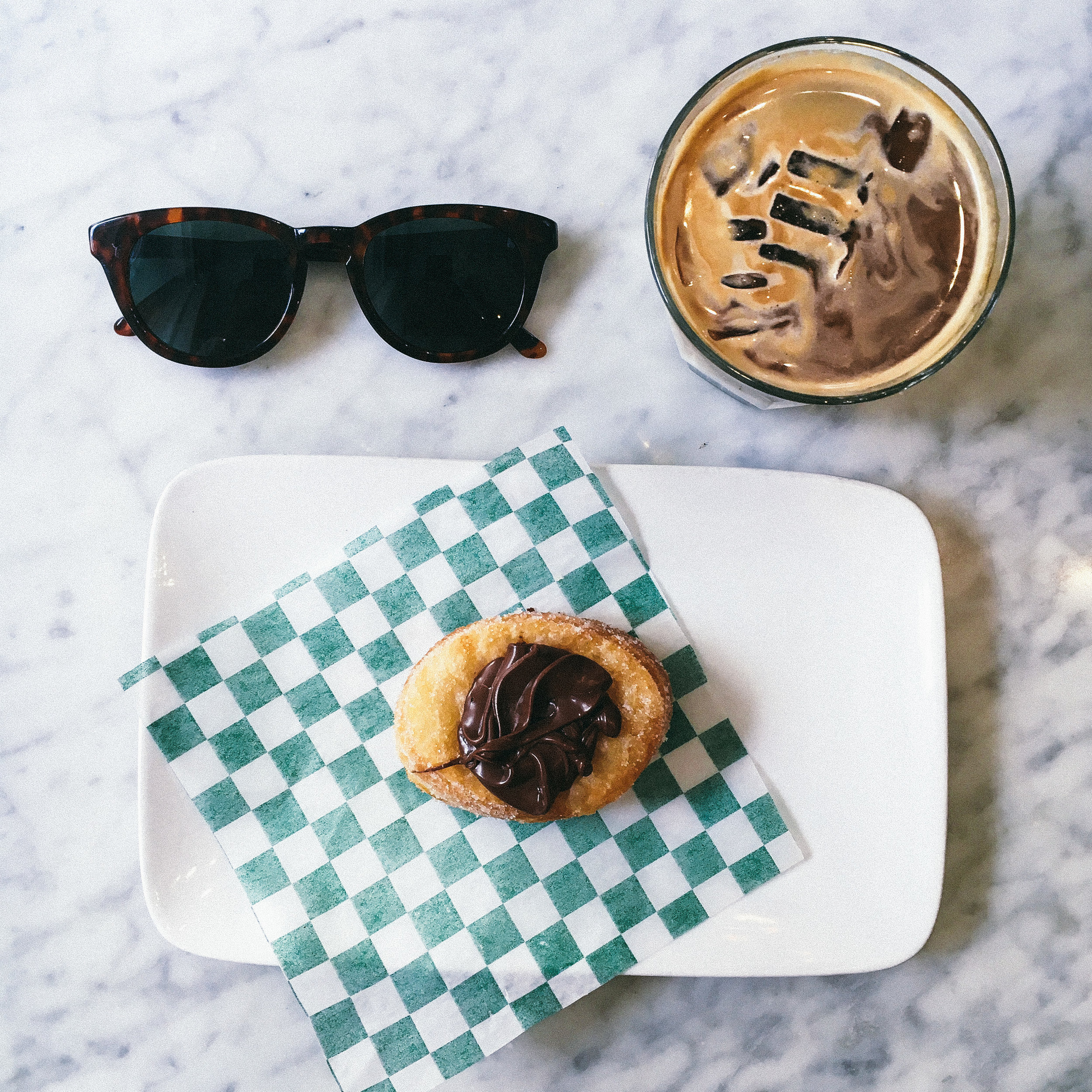 TOMMY Cafe //  200 Rue Notre-Dame O, Montréal, QC H2Y 1T3, Canada