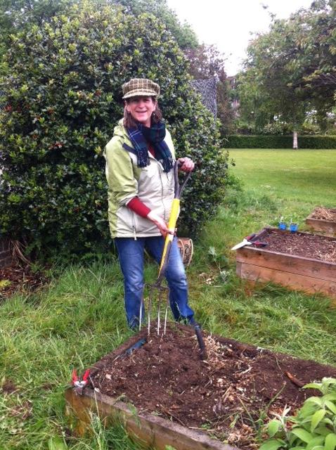 gardening in park 4.jpeg