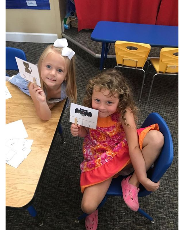 These two cuties pies are showing off their beginning sound Halloween clip cards.  #teachersofig #teachersfollowteachers #teacherspayteachers #iteachtoo #preschool #homeschool #halloween #activities