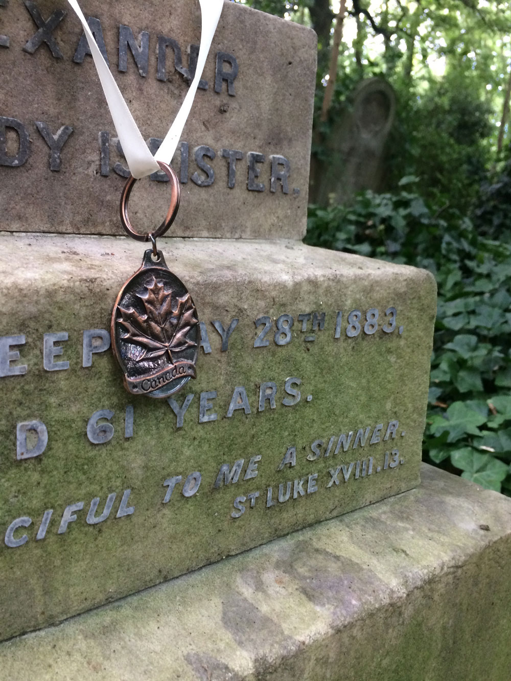 Abney-park-cemetery-park-walking-exploring-london