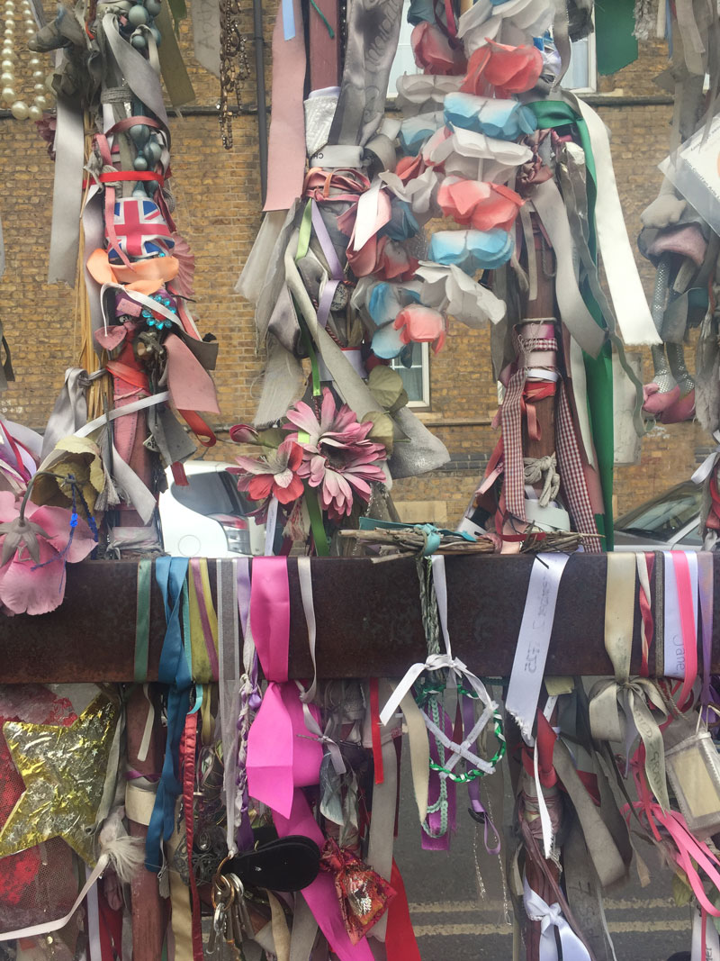 Go-jauntly-walking-app-crossbones-yard-ribbons-london.jpg