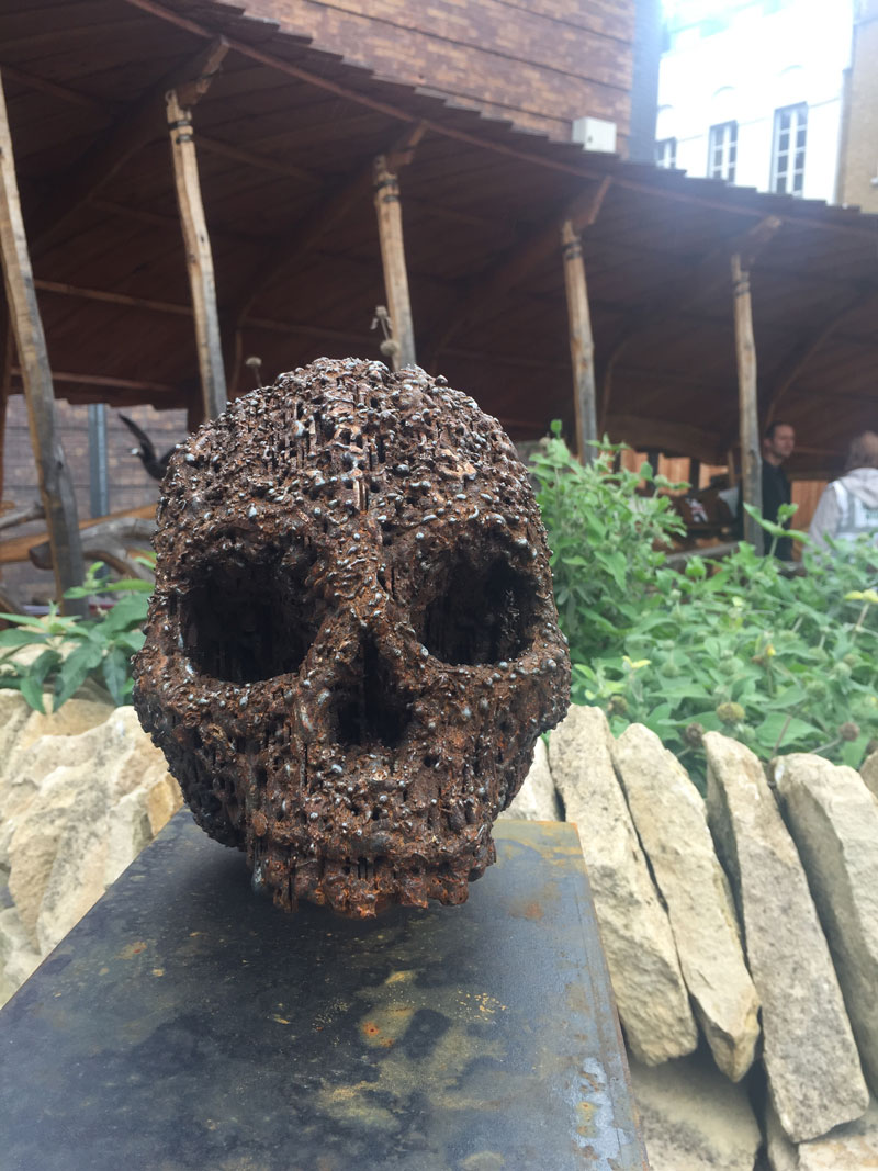Go-jauntly-walking-app-crossbones-yard-skull-london.jpg