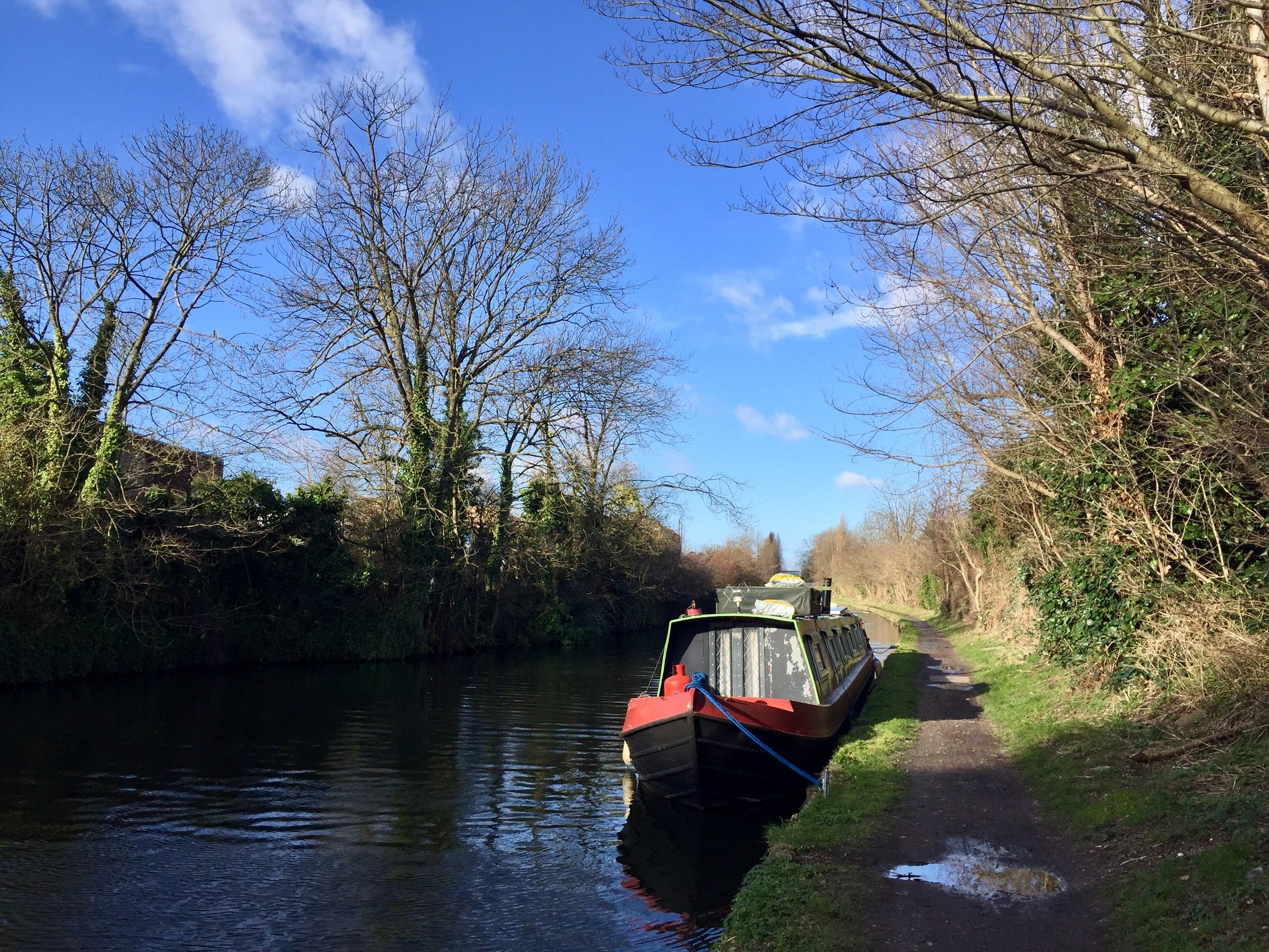 This canal side jaunt is along the  Grand Union canal, a section of which is on our on app