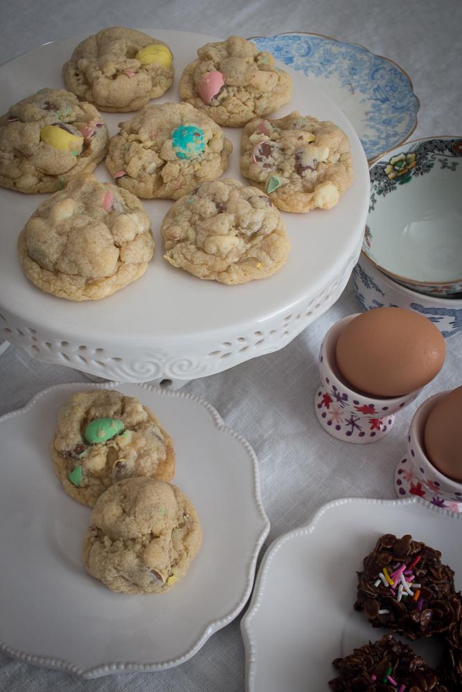 Cadbury mini egg cookies | Linden & Lavender