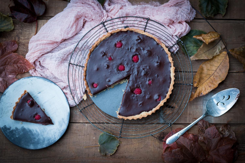 Fudgy chocolate and raspberry tart