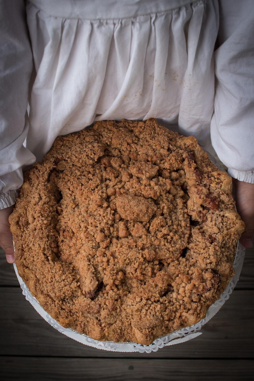 Apple crumble pie   Linden & Lavender