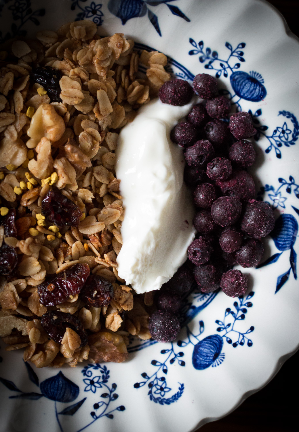 Granola for breakfast | Linden & Lavender