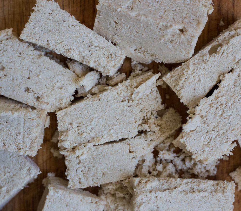 Chopped vanilla halva