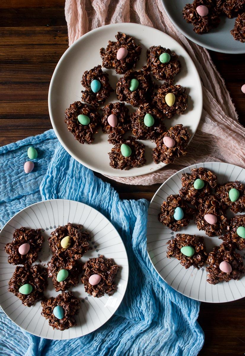 Mini Egg Chocolate Macaroons | Linden & Lavender