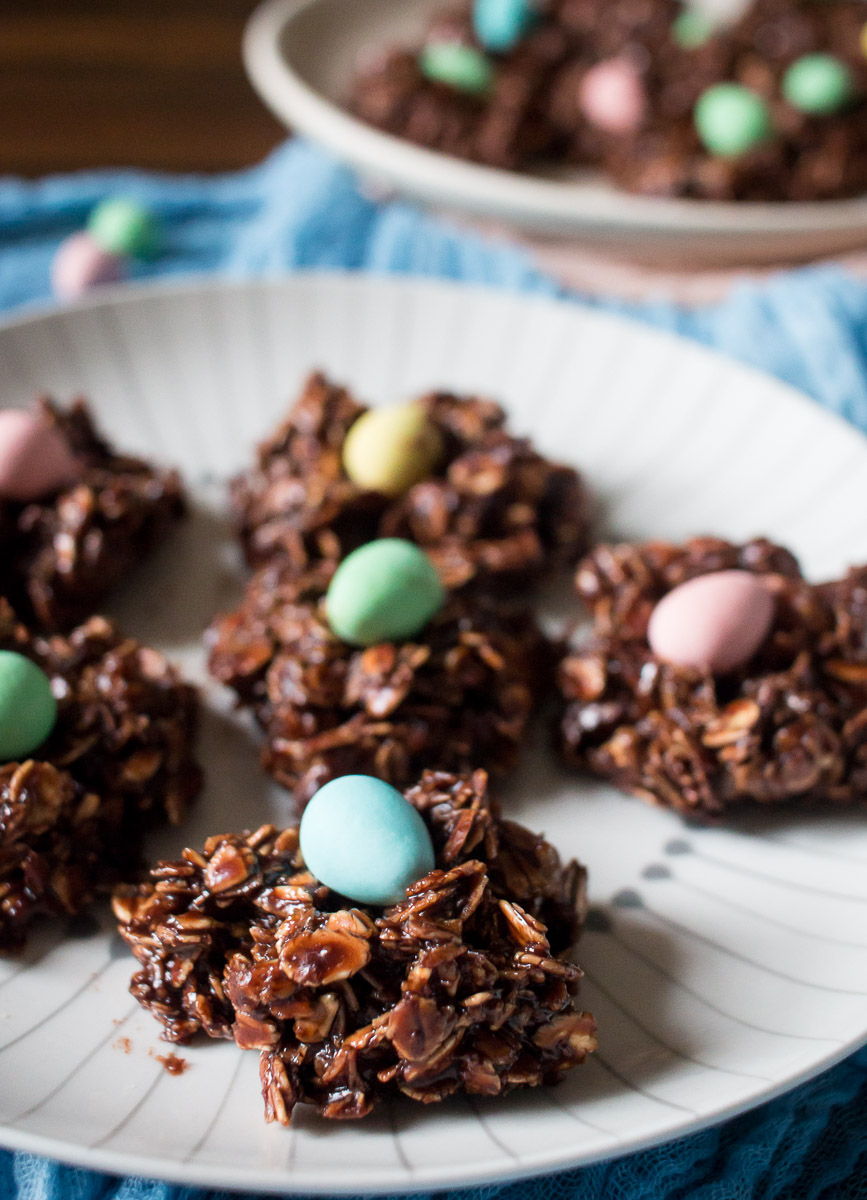 Mini Egg Chocolate Macaroons | Linden & Lavender