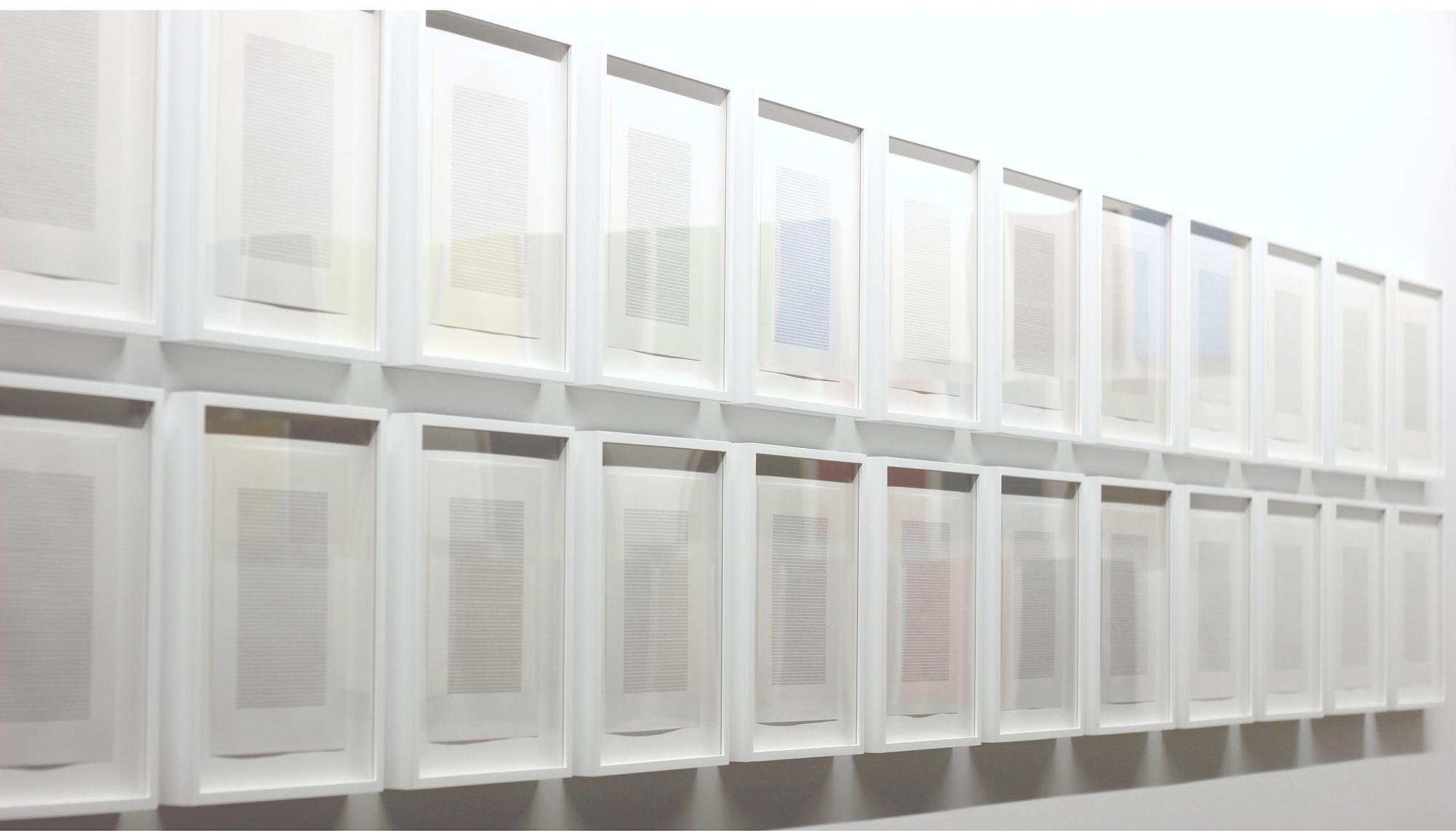 © Nelson Henricks,  Monochrome A to Z – for Grapheme-Colour Synaesthetes  (2012). Vue de l'exposition. Photo : Veronica Mockler.